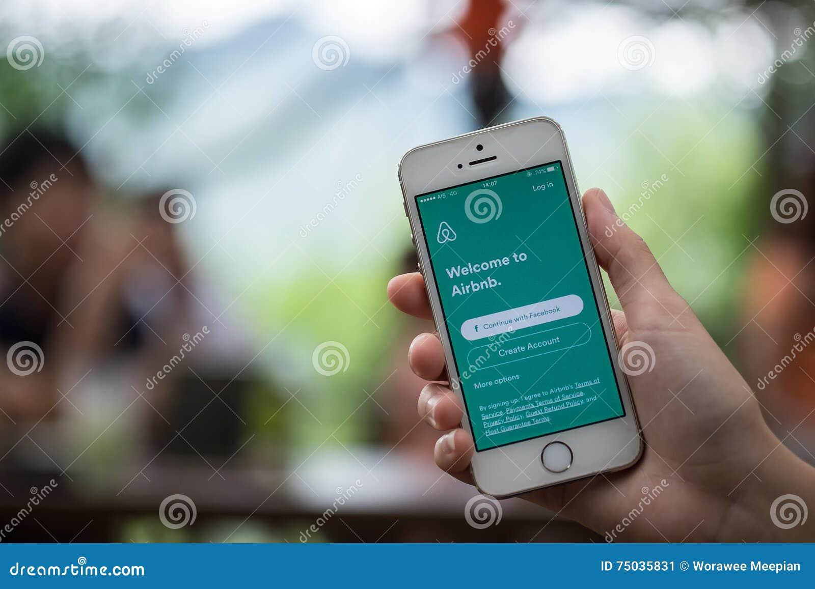CHIANG MAI THAILAND - JULI 16 2016: Apple iPhone 5s som visar Ai