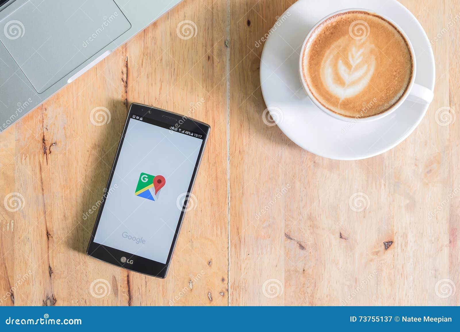 CHIANG MAI, THAILAND - JUN 19, 2016: LG G4 met Google Maps