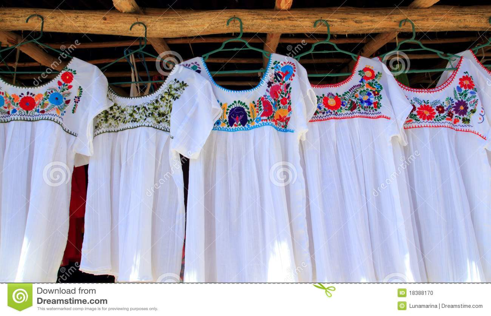 Chiapas одевают embroided белизну цветков майяскую