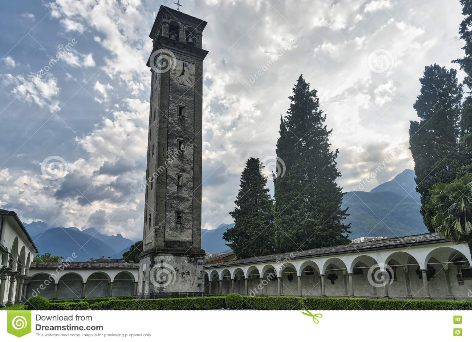 Chiavenna: μοναστήρι του SAN Lorenzo