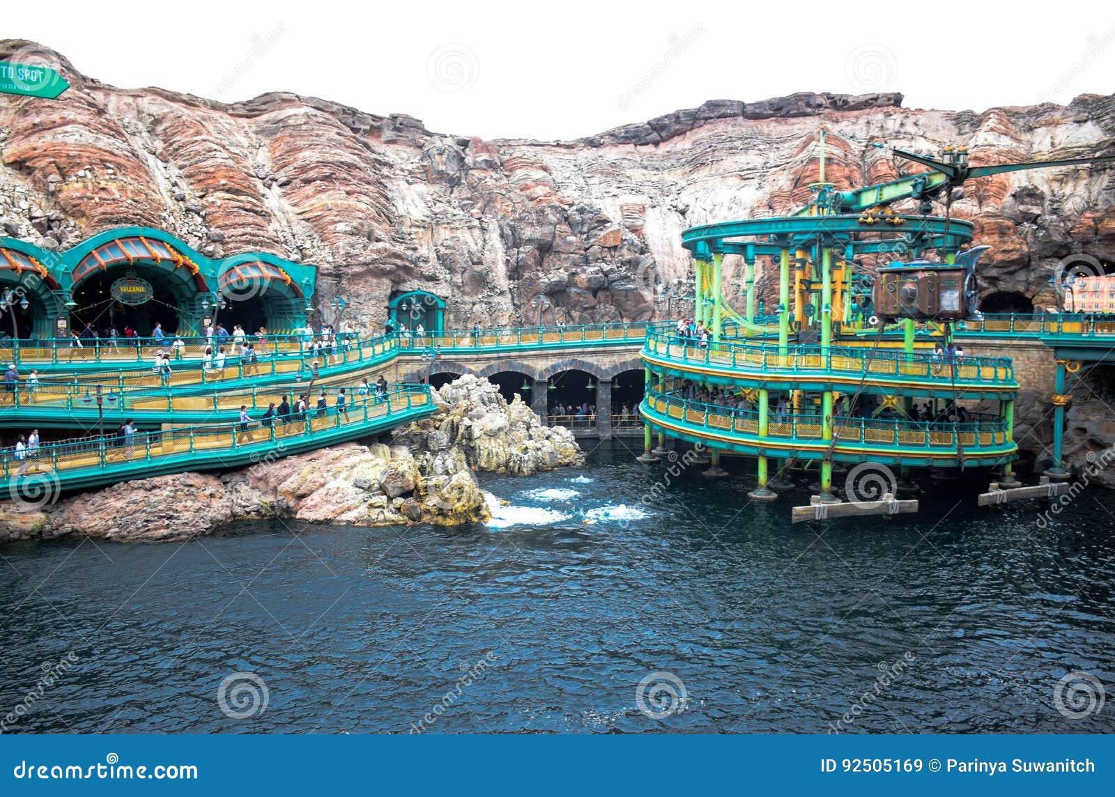 CHIBA, JAPAN - MAG, 2016: Geheimzinnige die Eilandaantrekkelijkheid in Tokyo Disneysea in Urayasu, Chiba, Japan wordt gevestigd