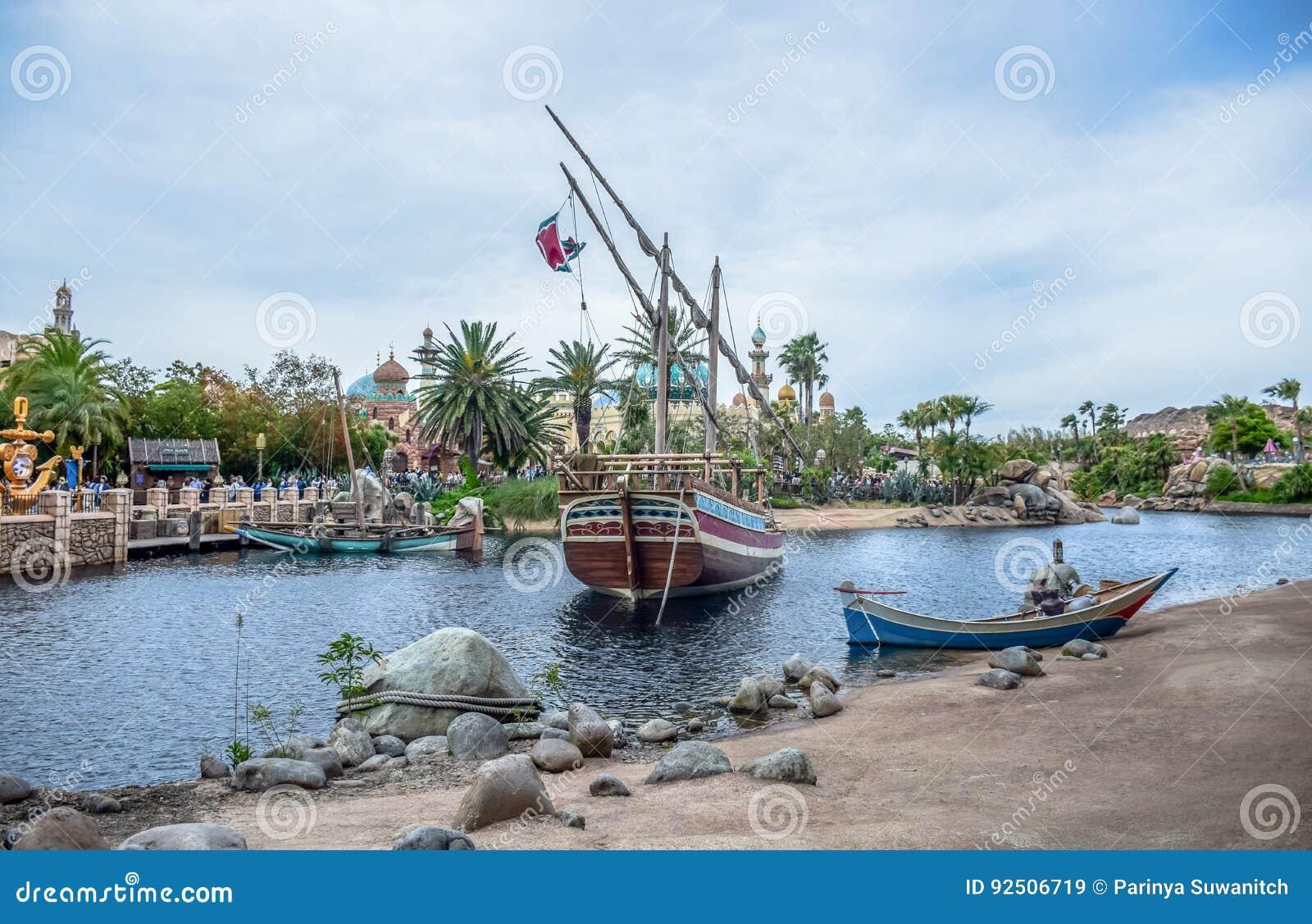 CHIBA, JAPAN - MAG, 2016: Het Arabische die gebied van de Kustaantrekkelijkheid in Tokyo Disneysea in Urayasu, Chiba, Japan wordt