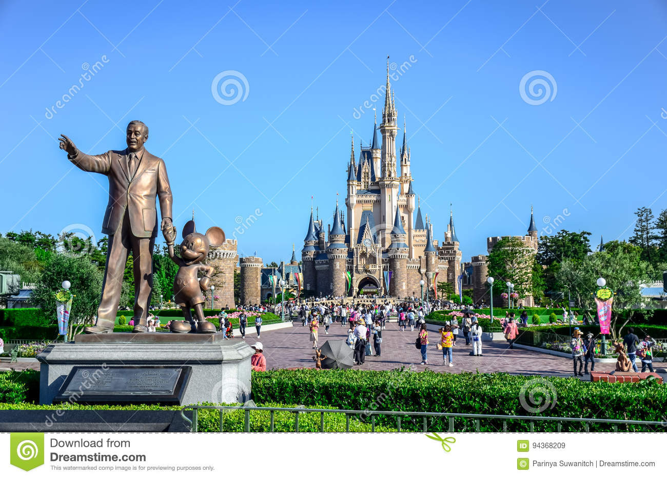 Chiba Japan Walt Disney Statue With View Of Cinderella Castle In