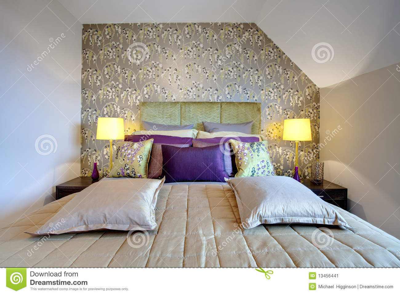 Carta Da Parati Camera chic modern bedroom stock image. image of silver, home