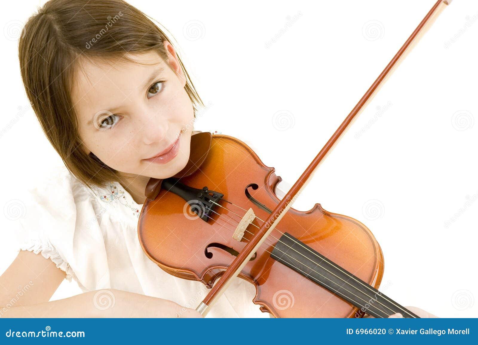 Chica joven con el violín