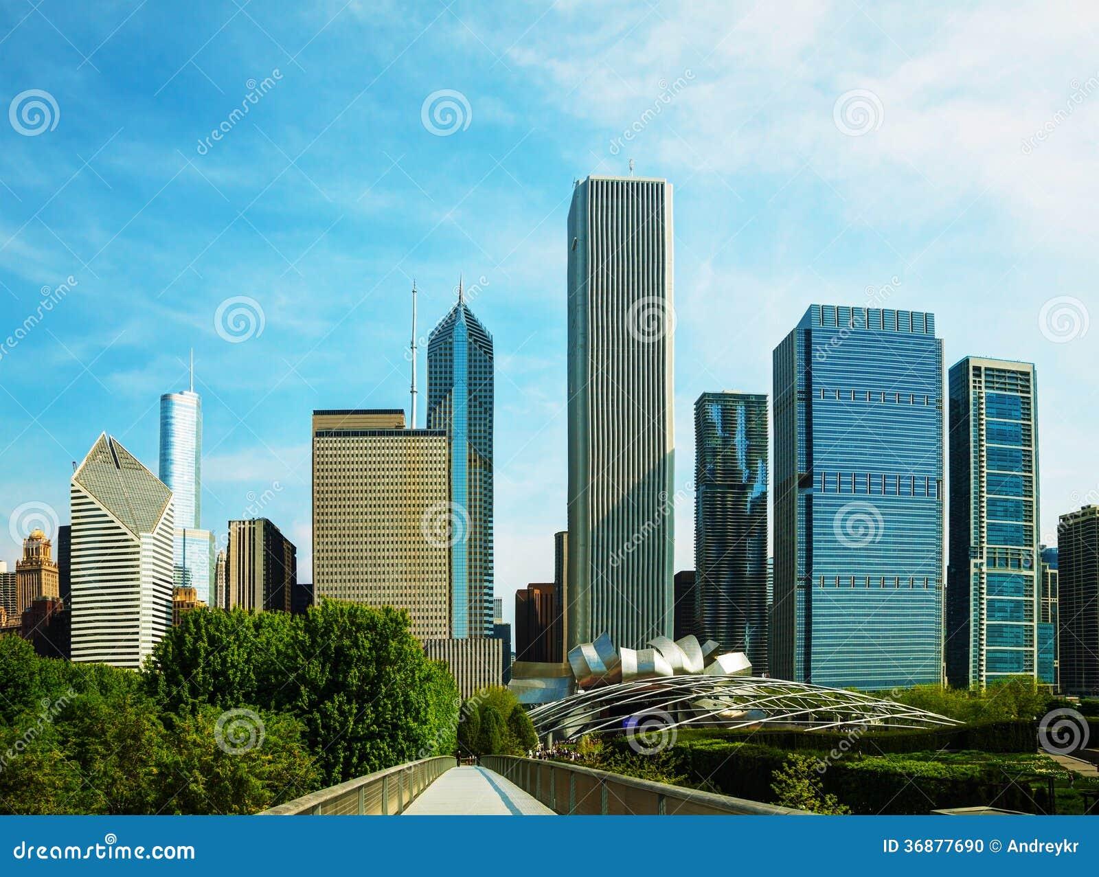 Download Chicago del centro, IL fotografia stock. Immagine di cityscape - 36877690