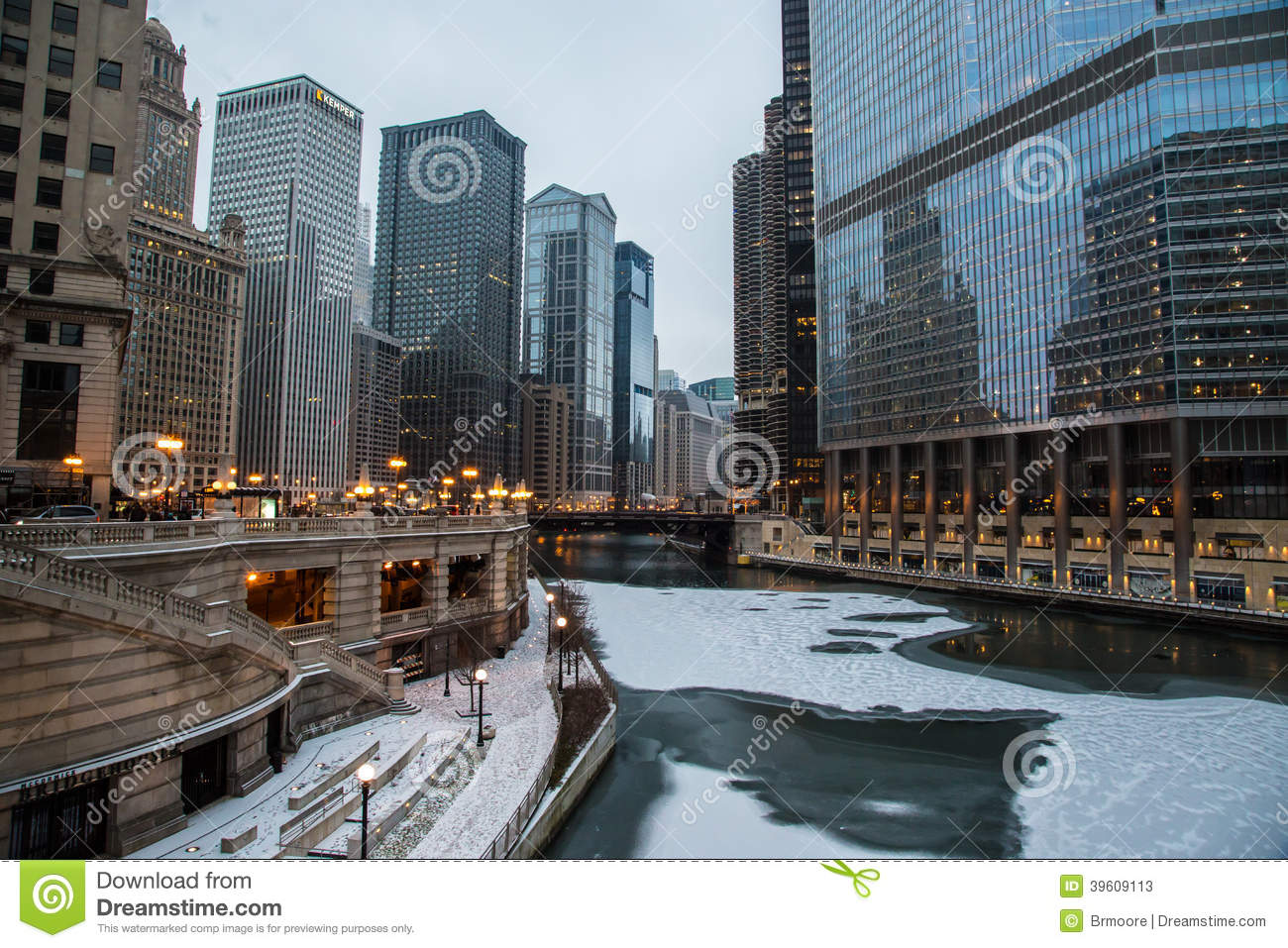 Christmas In Chicago Skyline.Chicago River On Christmas Stock Image Image Of Clouds