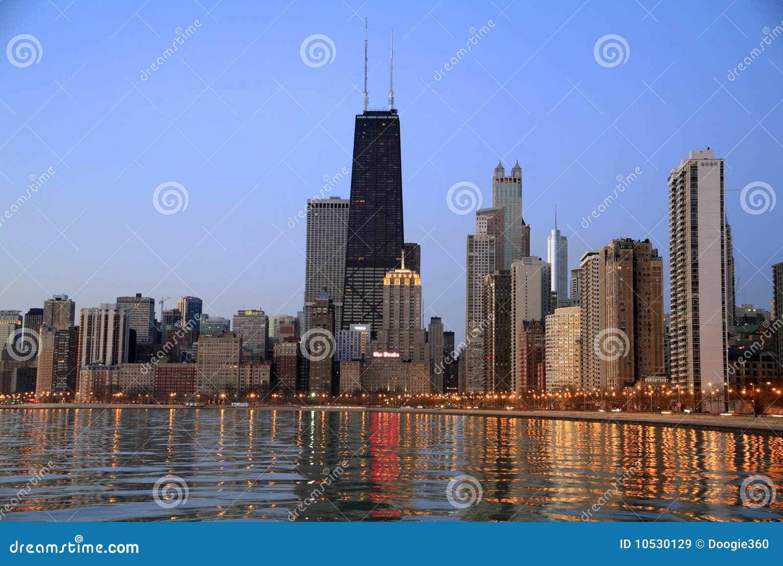 Chicago-Skyline an der Dämmerung