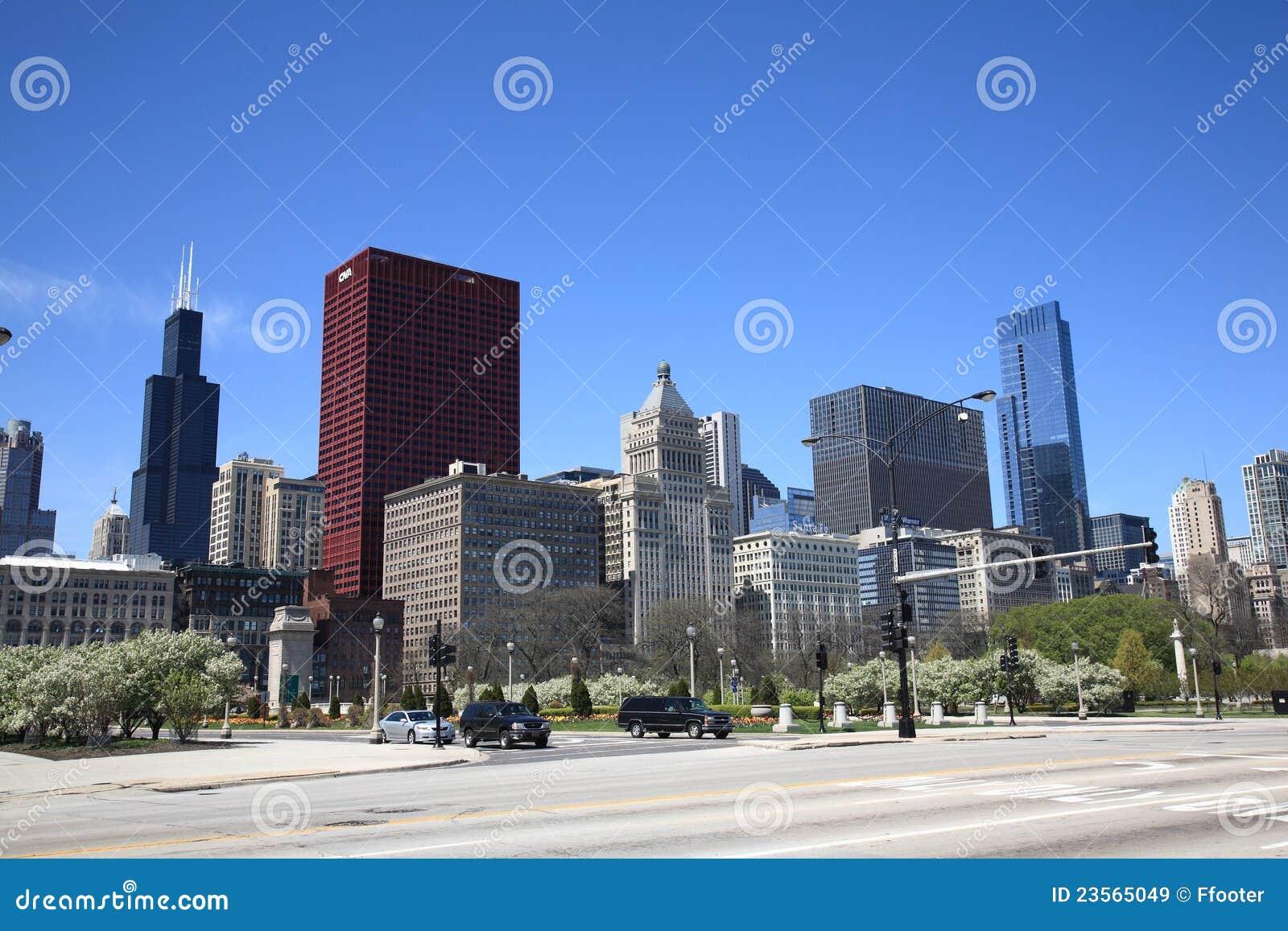 Chicago-Straßenecke und Skyline