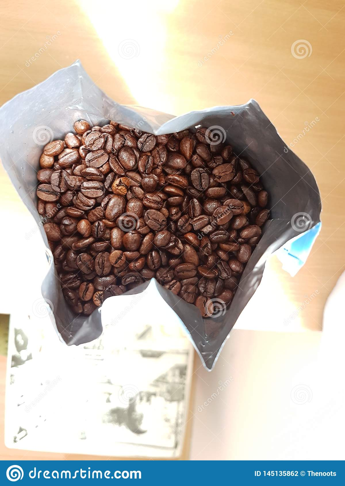 Chicchi di caff? arrostiti in borsa