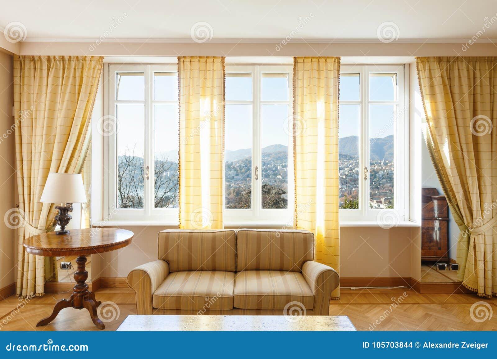 Chich meublé par salon jaune