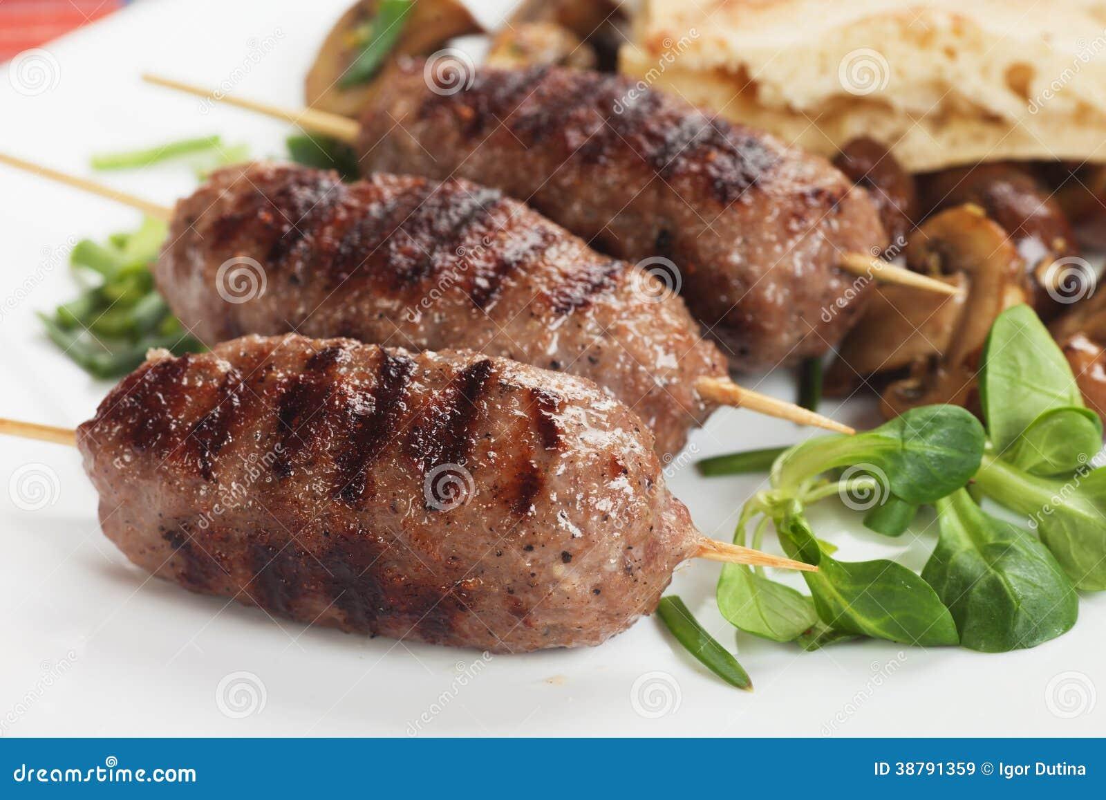 Chiche kebab brochette de viande hach e photo stock - Grill vertical pour kebab et brochettes ...