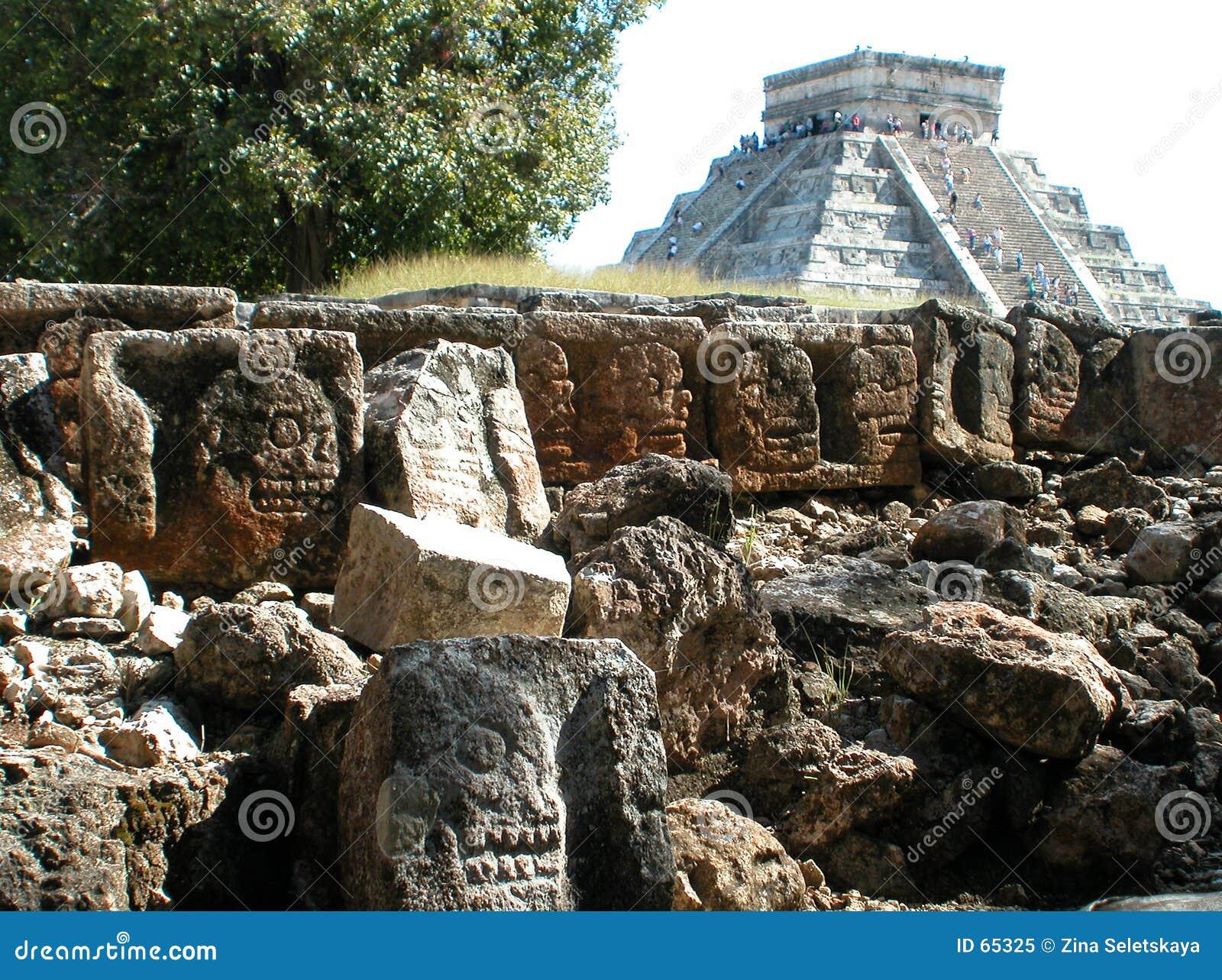 Download Chichen Itza 2 image stock. Image du pyramide, culture, vieux - 65325