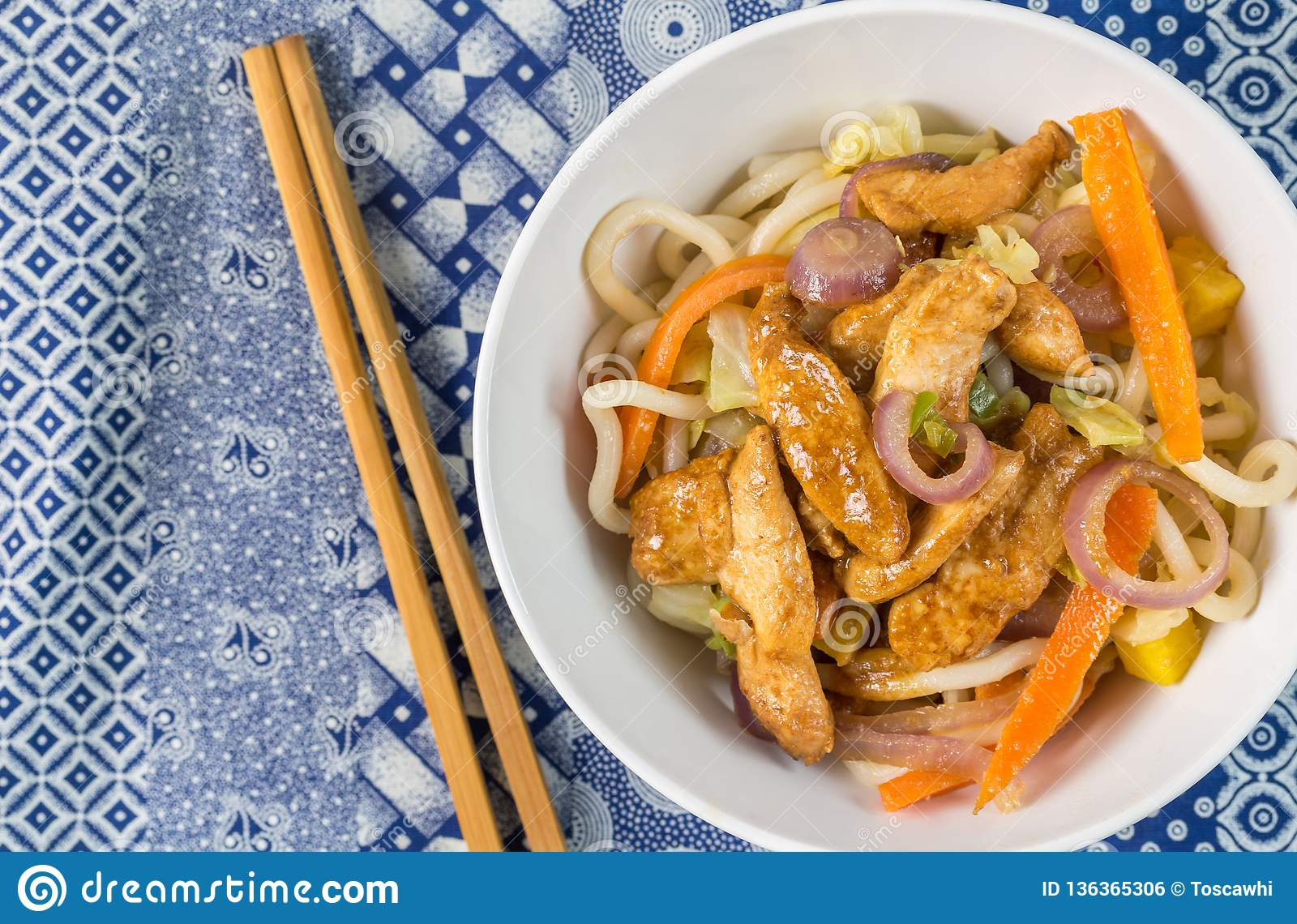 Chinese chicken stir fry with noodles