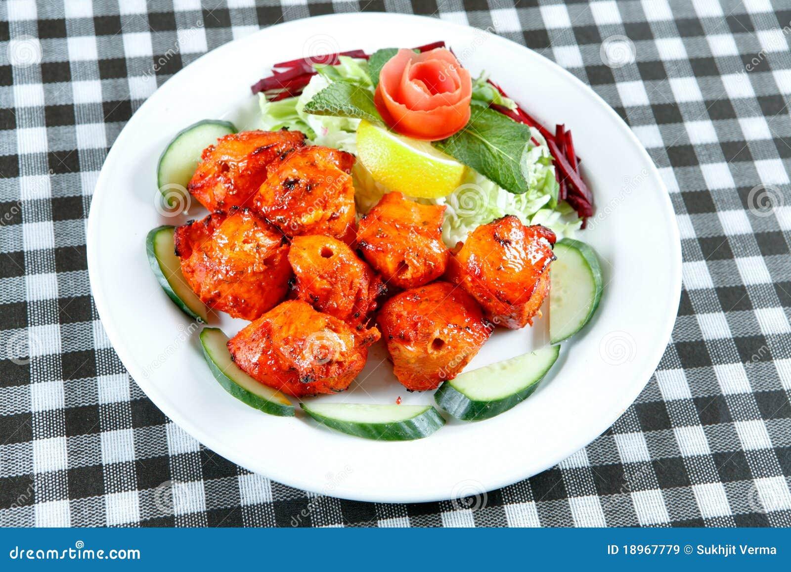 chicken-tikka-salad-18967779.jpg