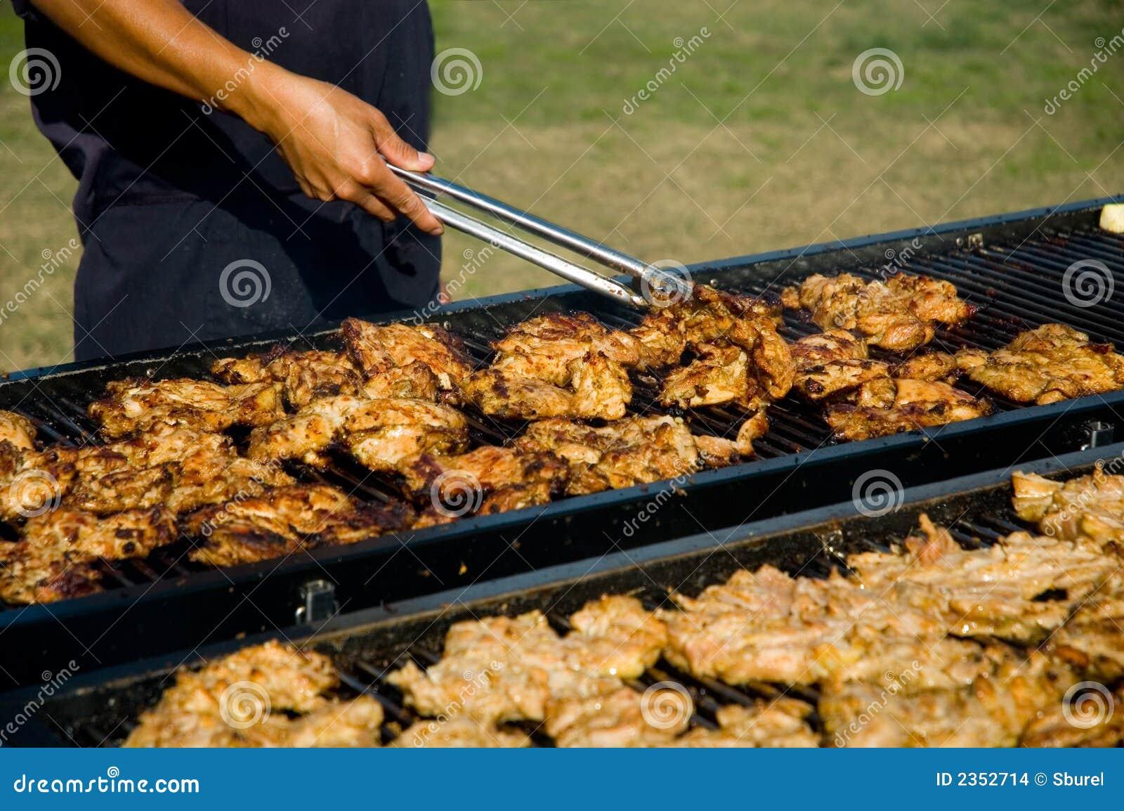 CHICKENcooking sur le BBQ