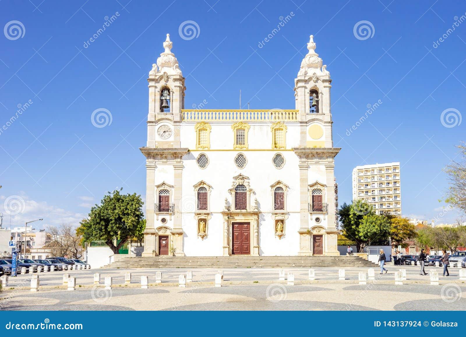 Chiesa cattolica a Faro, Algarve, Portogallo