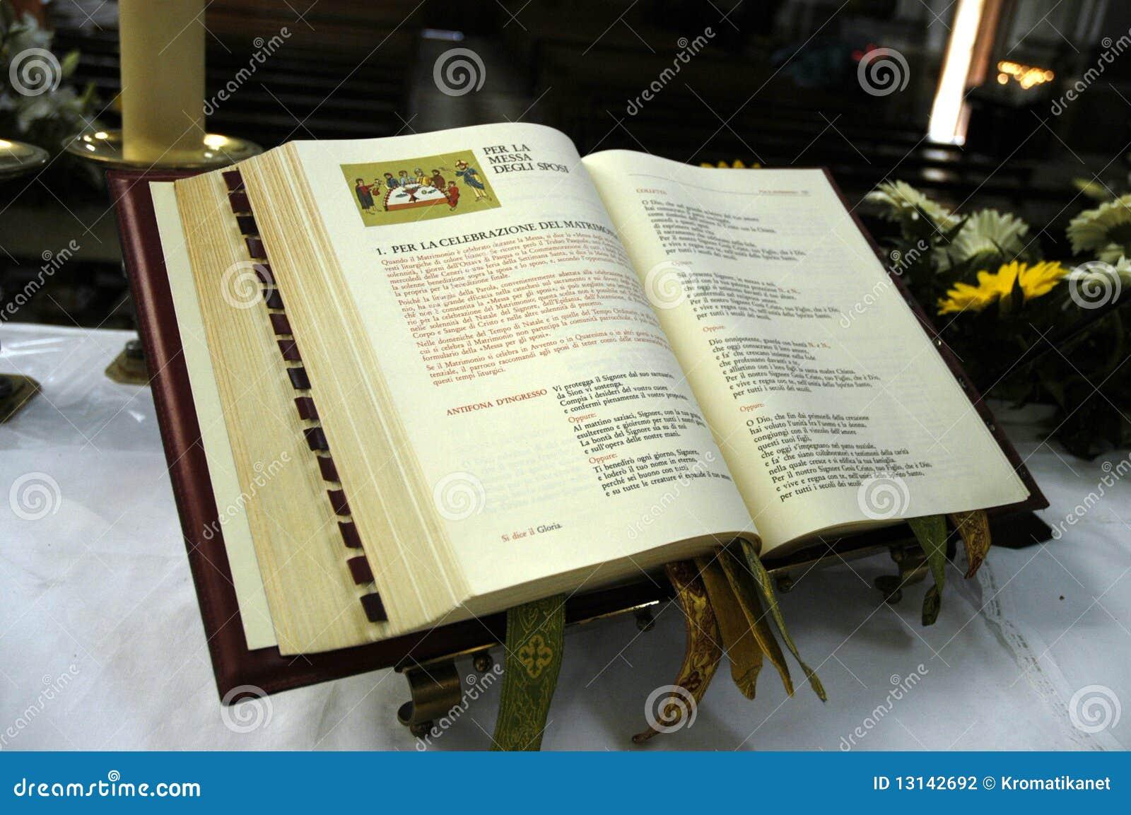 Auguri Matrimonio Vangelo : Chiesa del vangelo fotografia stock immagine di nozze