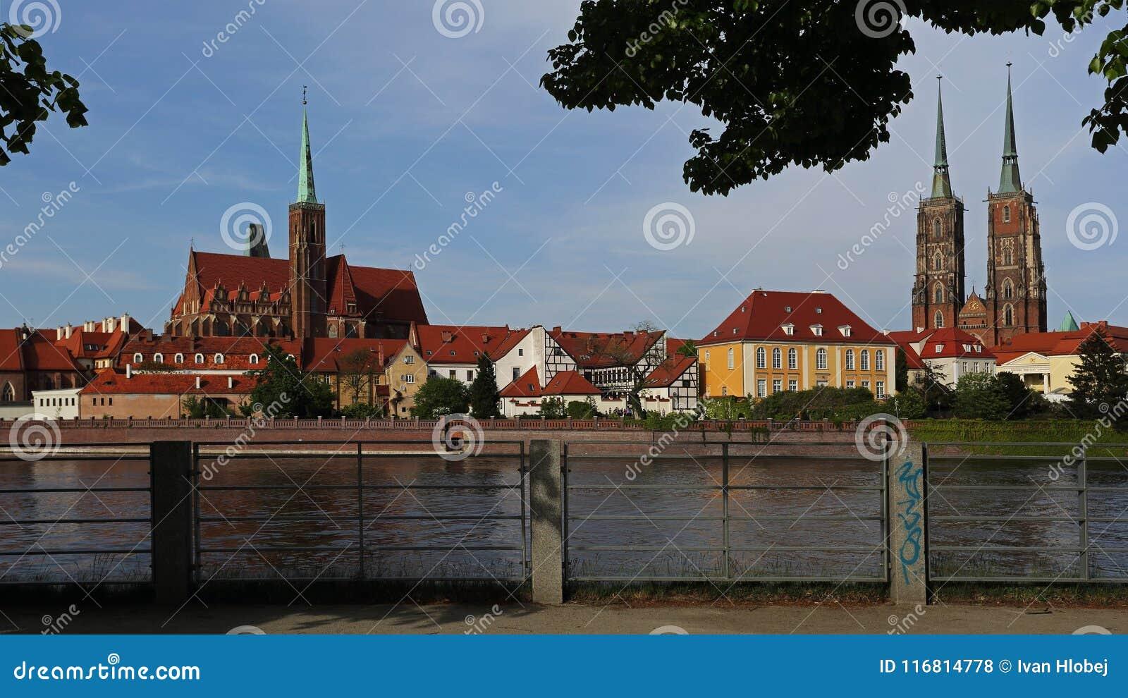 Chiesa dell incrocio santo e cattedrale di Wroclaw sull isola di Tumski, Polonia