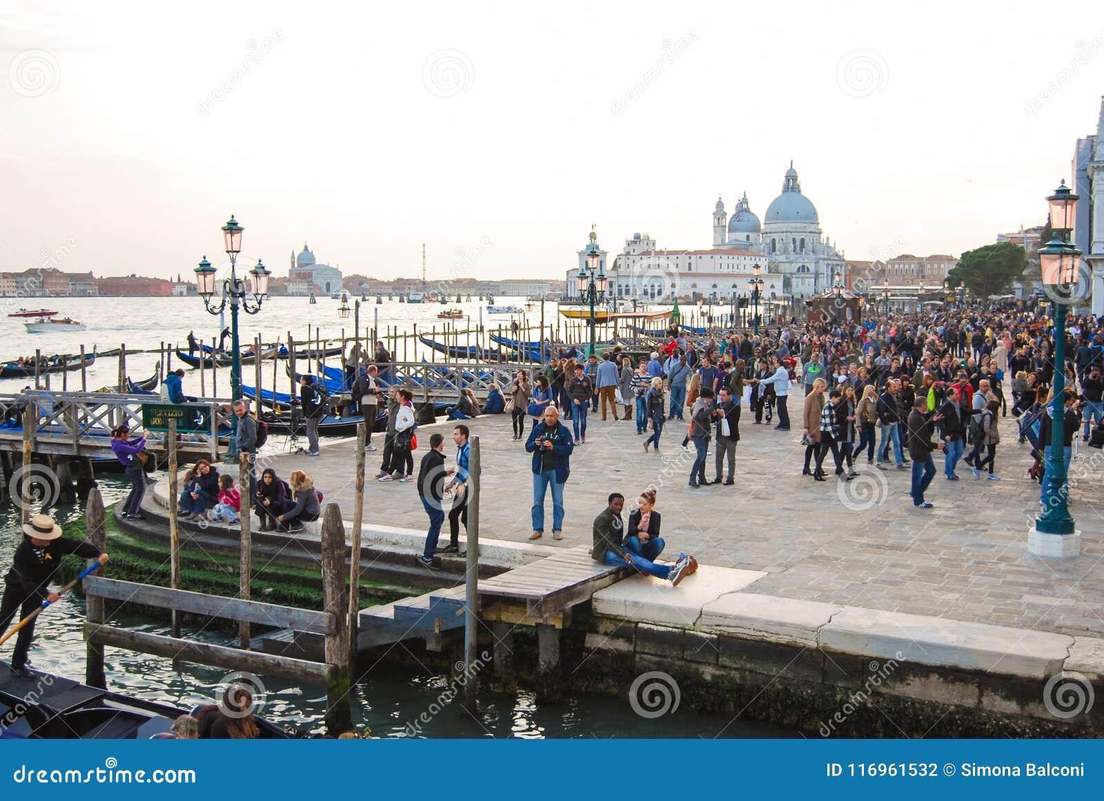 Chiesa di Santa Maria della Salute nel centro di Venezia