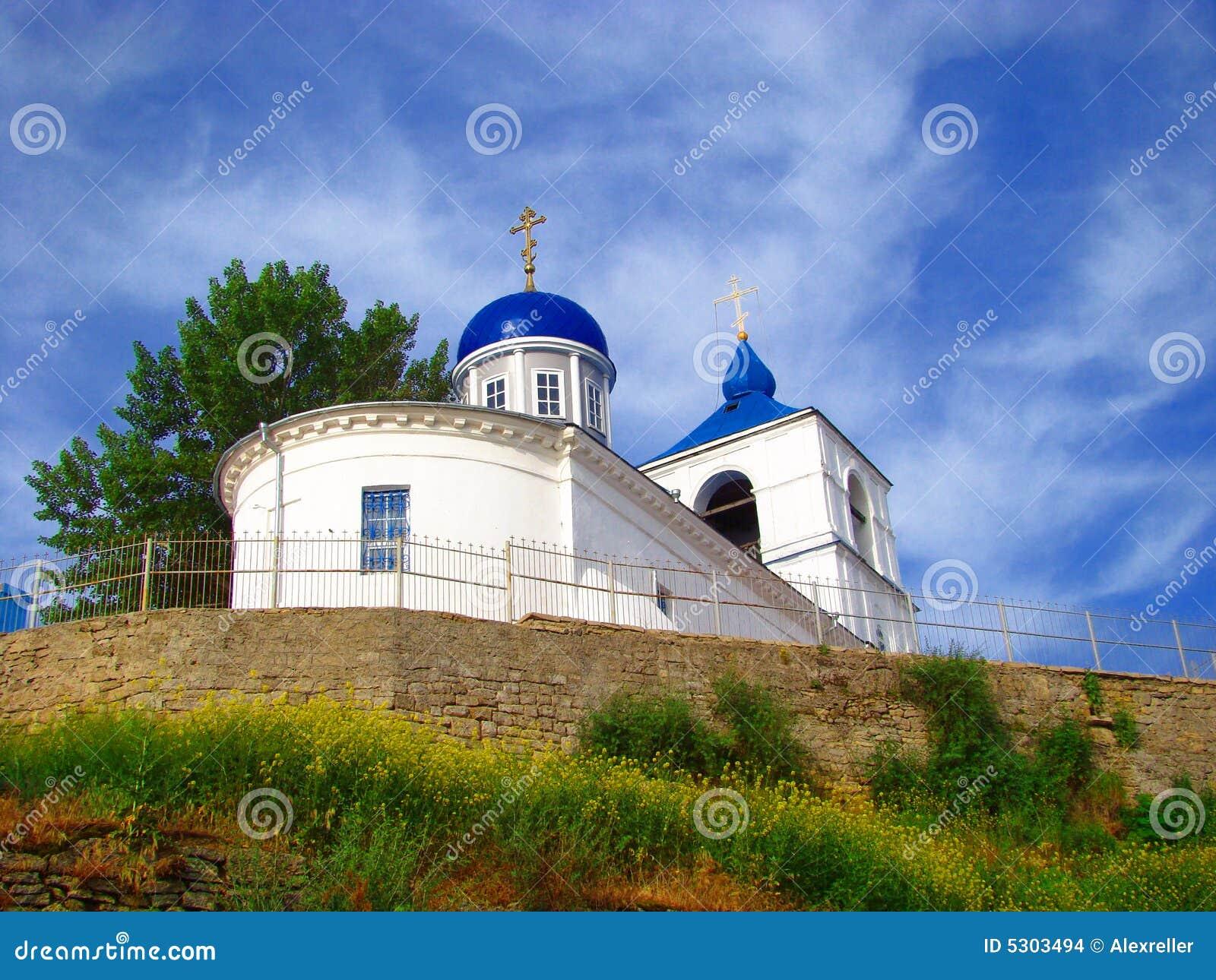 Download Chiesa simile una nave. fotografia stock. Immagine di luce - 5303494