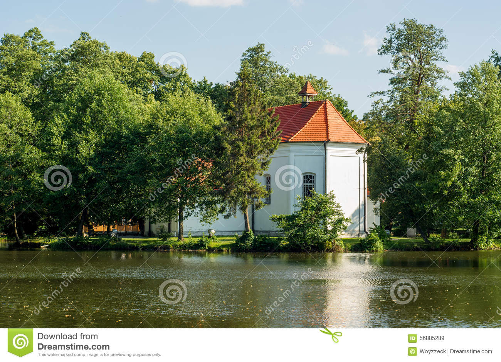 Chiesa su acqua