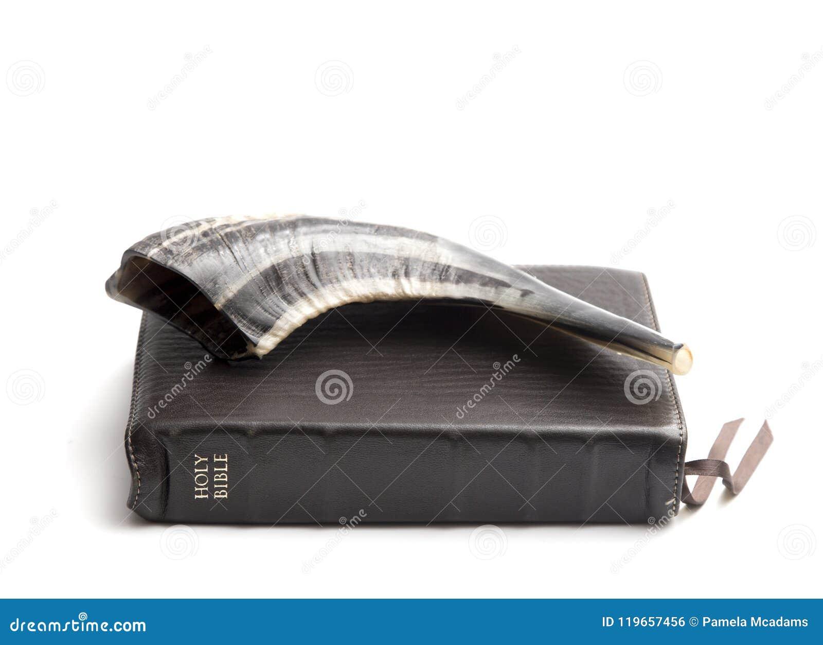 Chifre do Shofar do ` s do Ram e a Bíblia