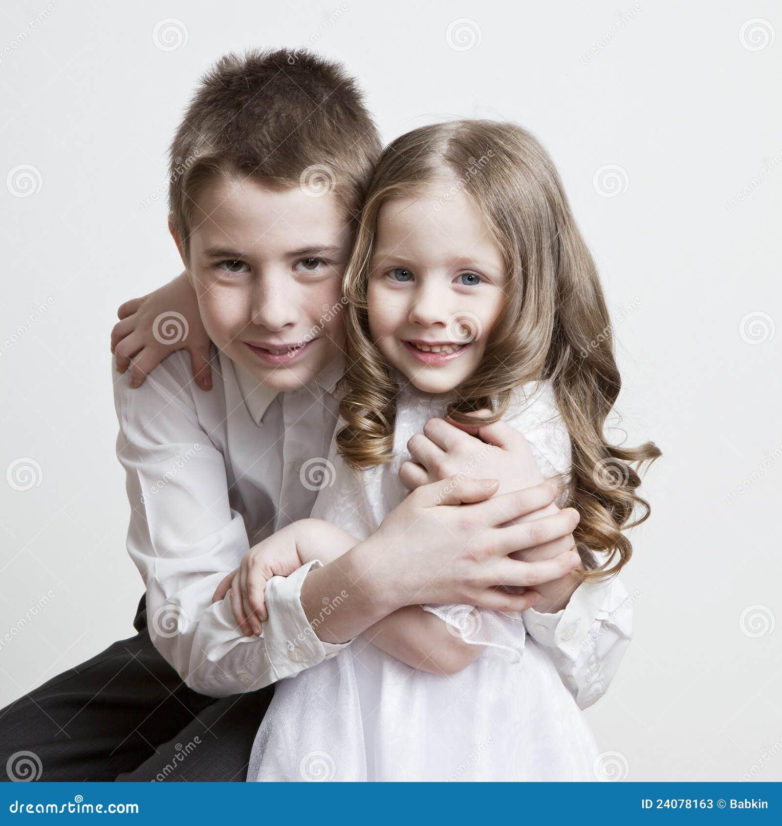 Секс молодых с братом с сестрой 21 фотография