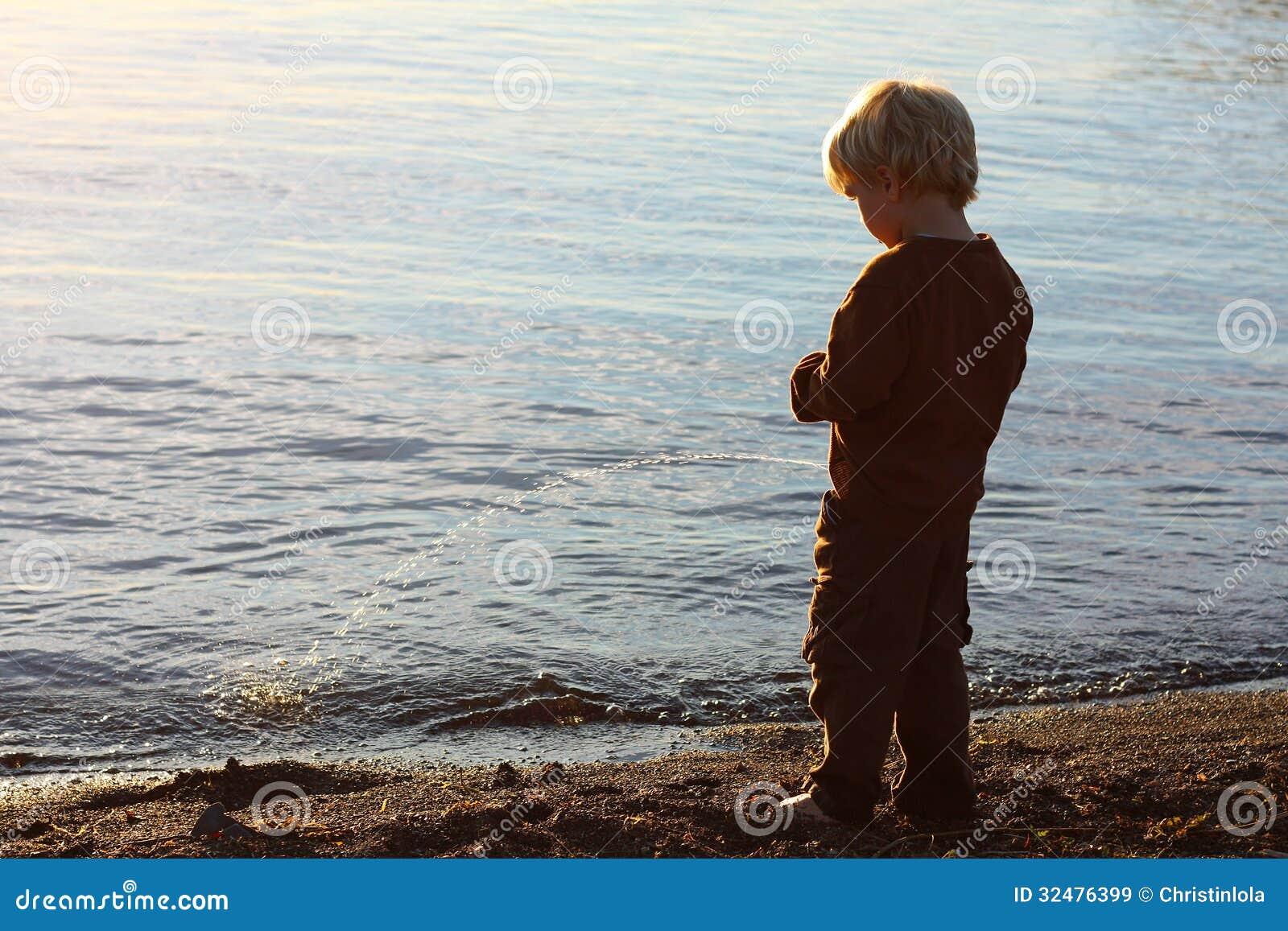 Congratulate, Peeing into lake congratulate