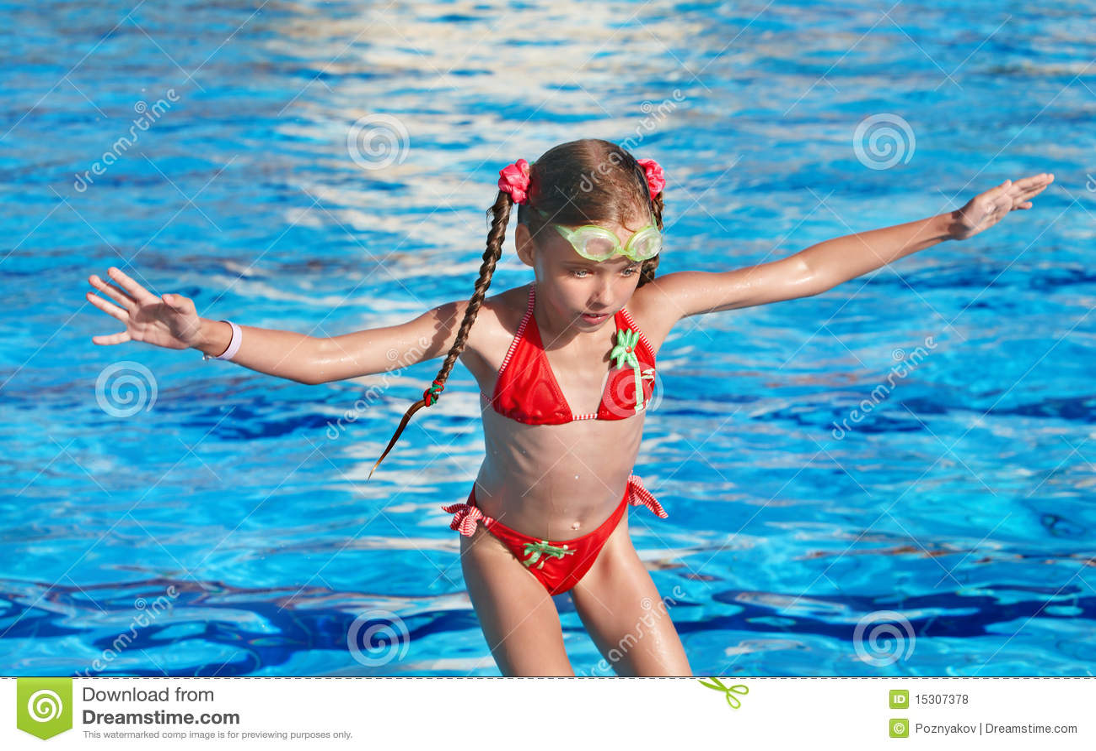 Child Swim In Swimming Pool Royalty Free Stock Photos Image