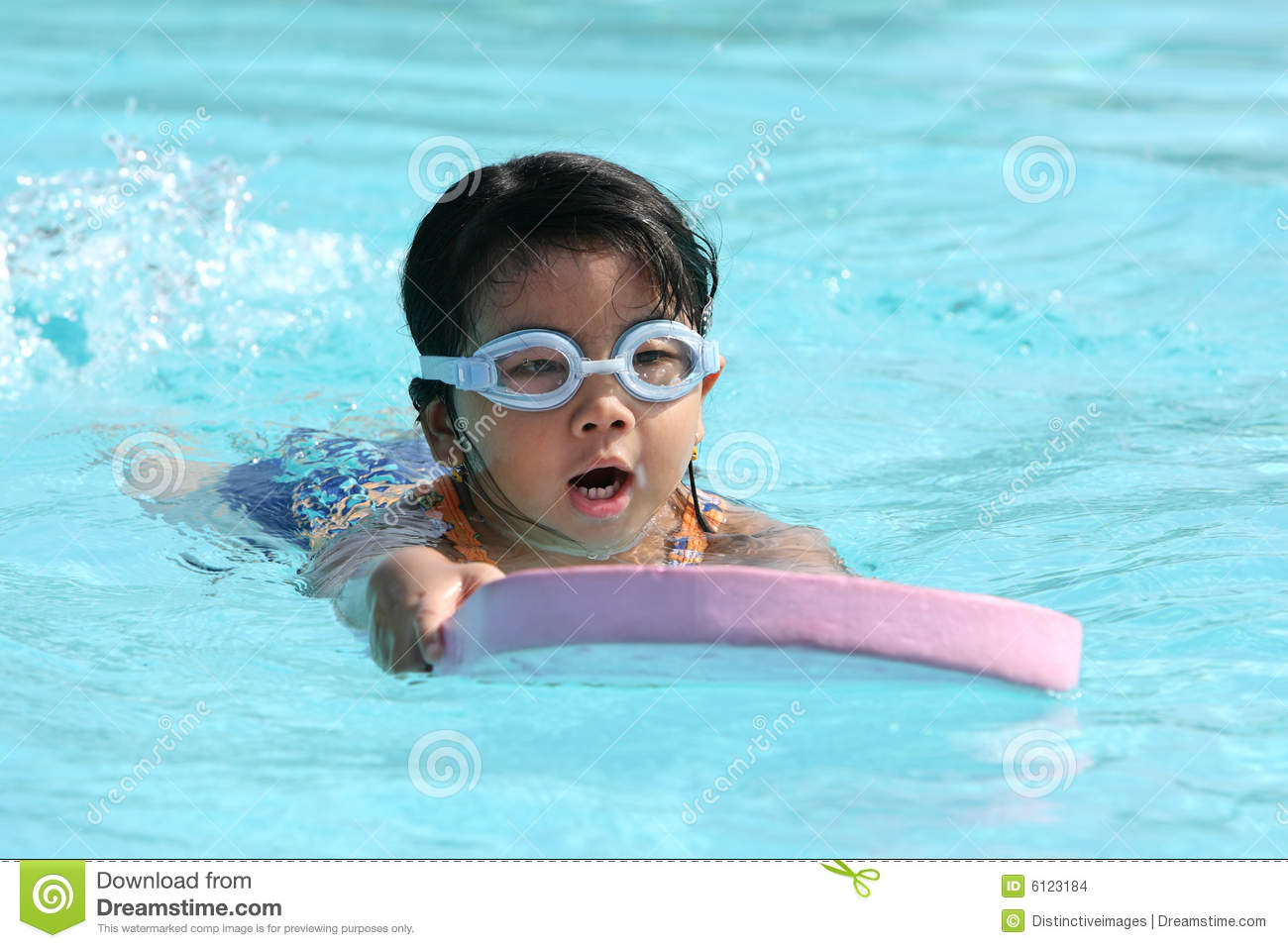 child-swimming-6123184.jpg