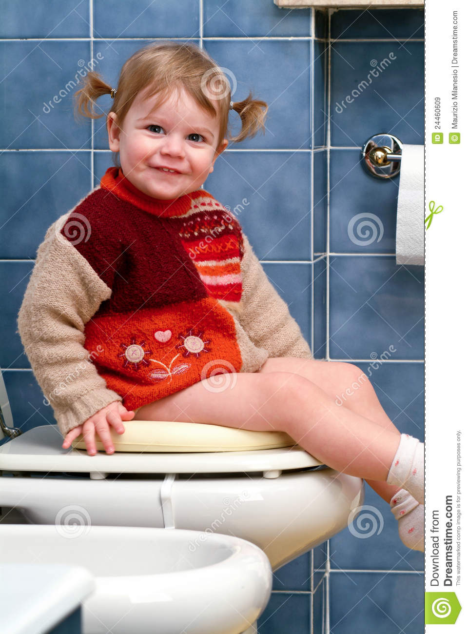 Child On The Toilet Royalty Free Stock Images Image