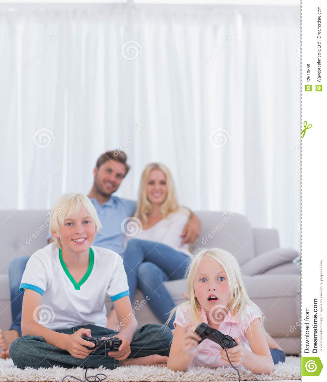 online dating while living with parents Before you get too attached to that guy or gal you're dating,  you must honor your parents and respect  send us your prayer request online call the 700 club.