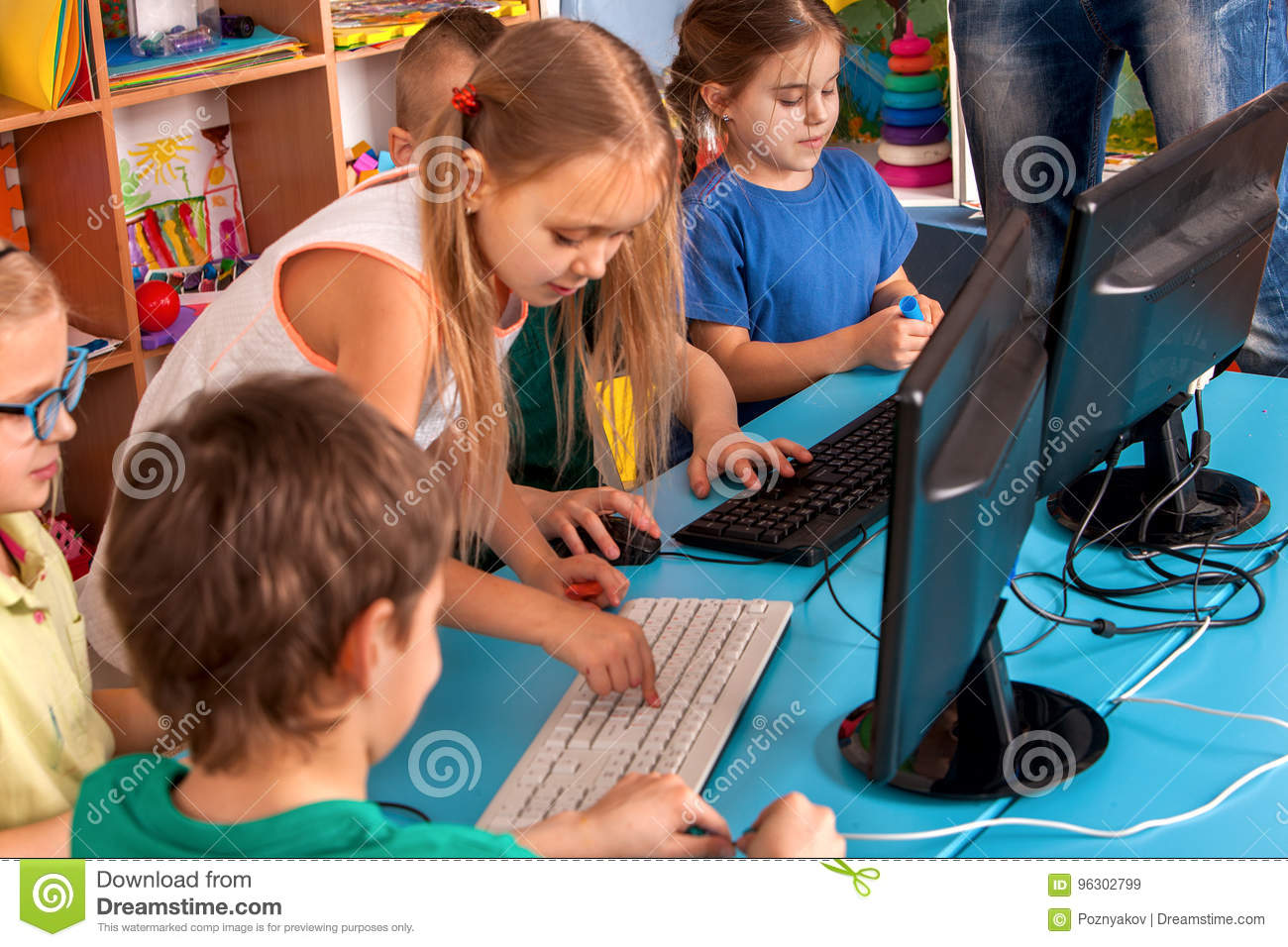 Download Children Computer Class Us For Education And Video Game. Stock Image - Image of club, hours: 96302799