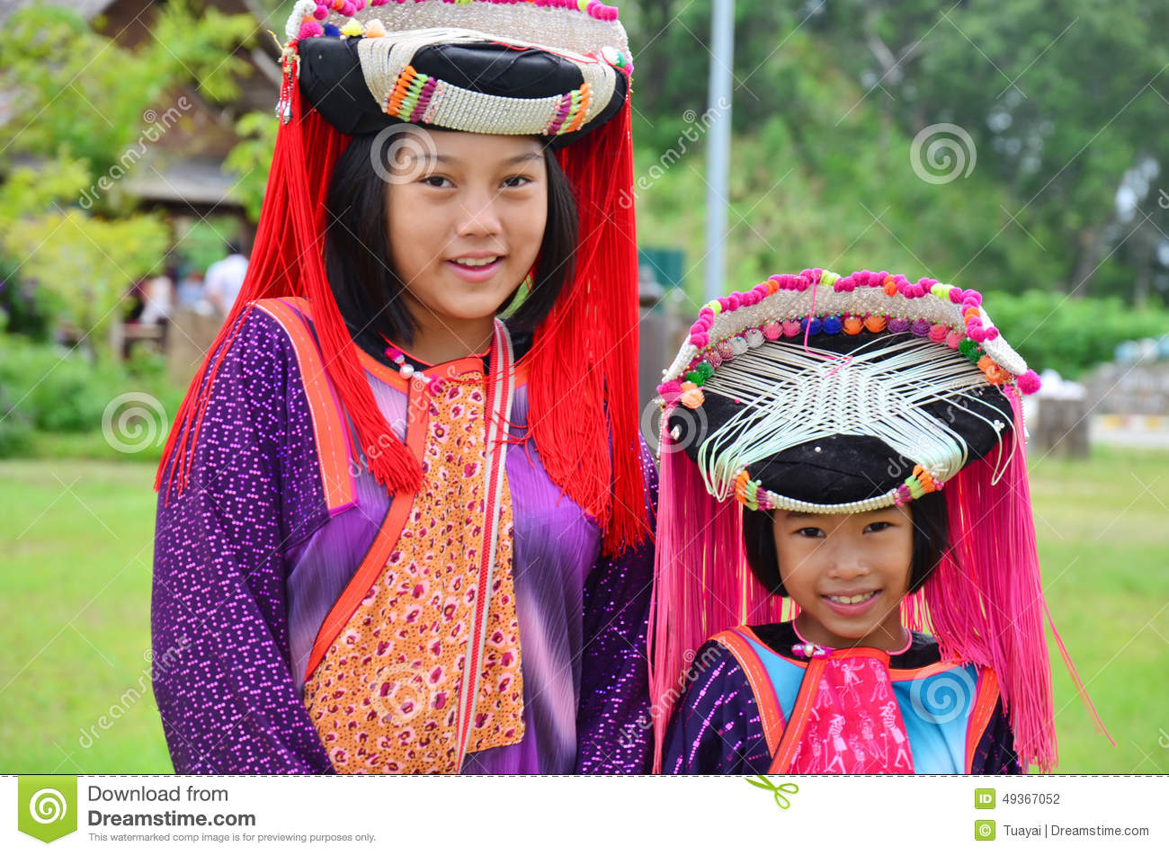 Children Hmong People waiting service the traveler for take photo with them