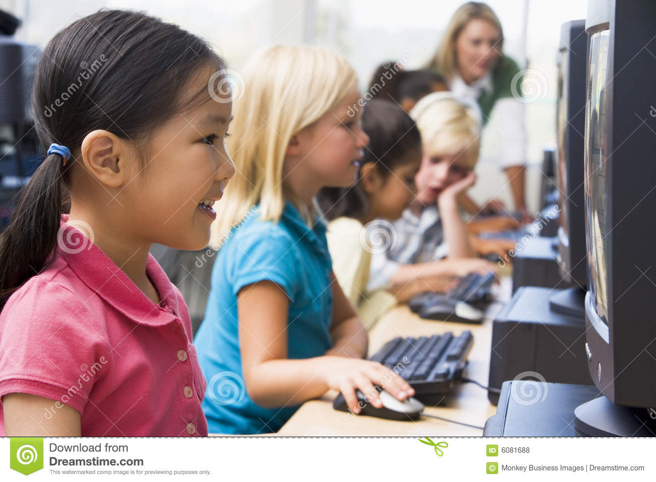 children learning by using the computers Using computers and the internet for teaching in fact, using a computer can make a teacher maybe a teacher wants to learn more about using technology to meet.