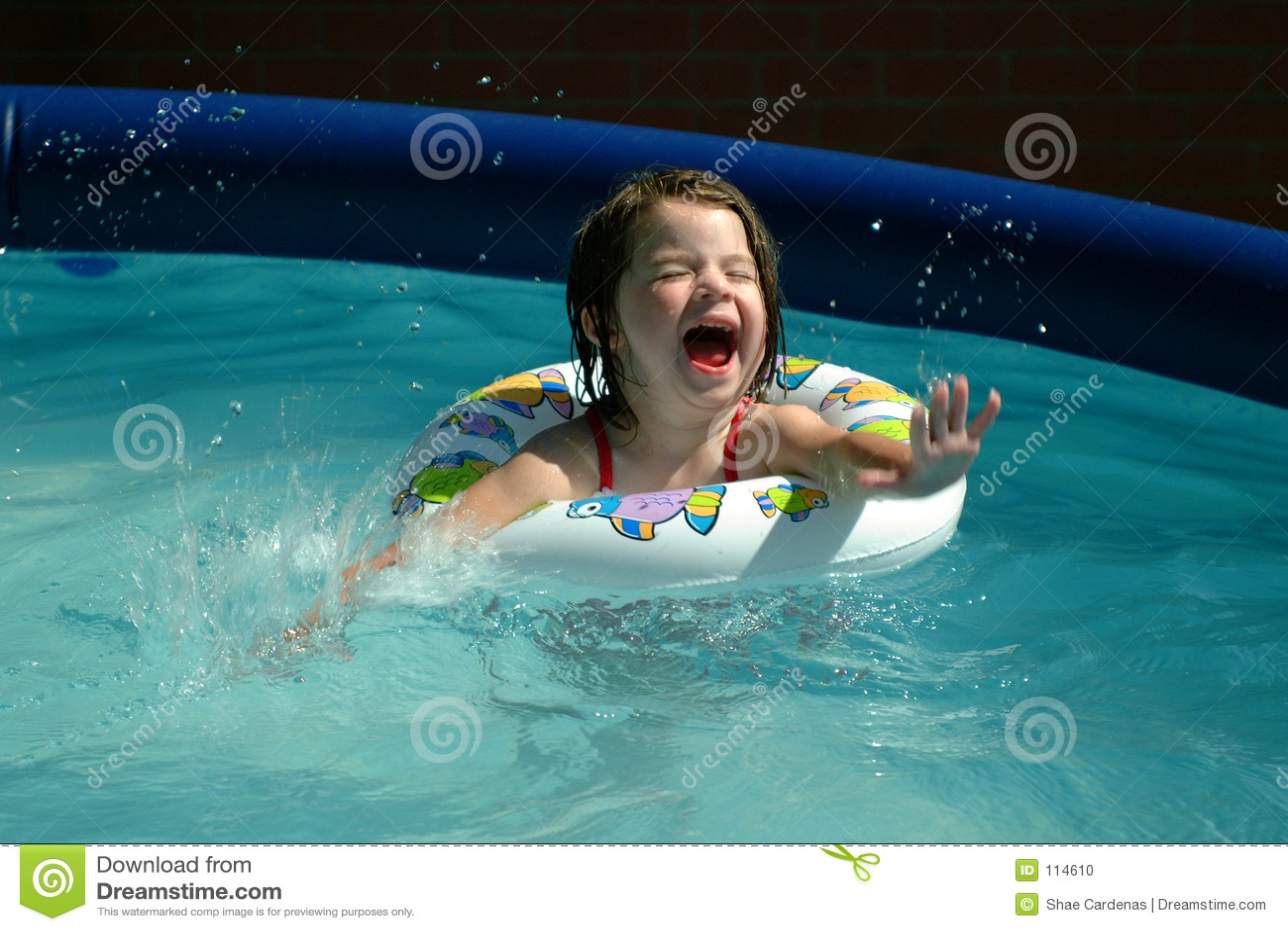 Children-Little Girl Splashing