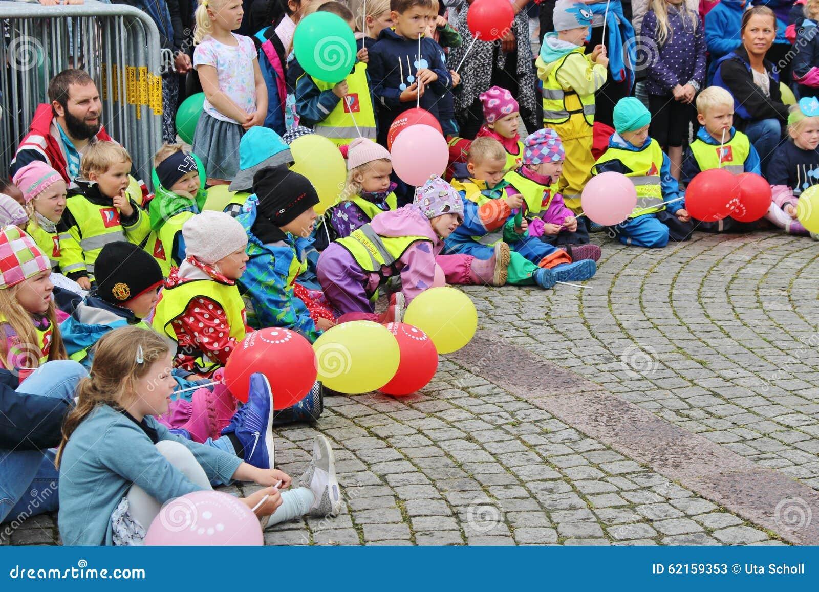 Children parada jako część festiwalu jazzowego Sildajazz w Haugesund, Norwegia