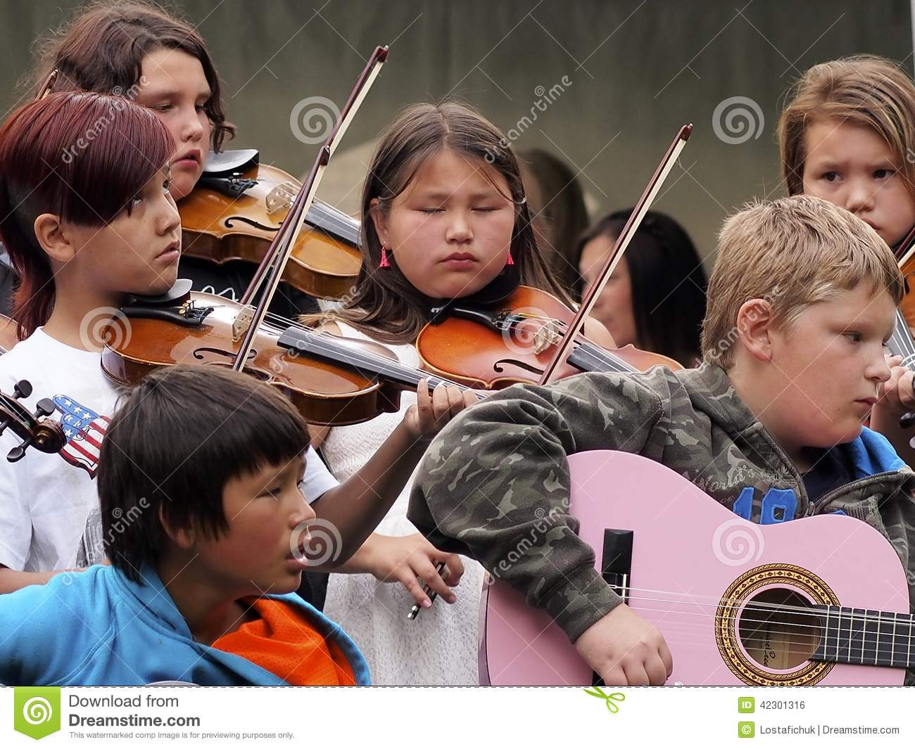 children playing fiddles and guitars editorial photo image of playing children 42301316. Black Bedroom Furniture Sets. Home Design Ideas