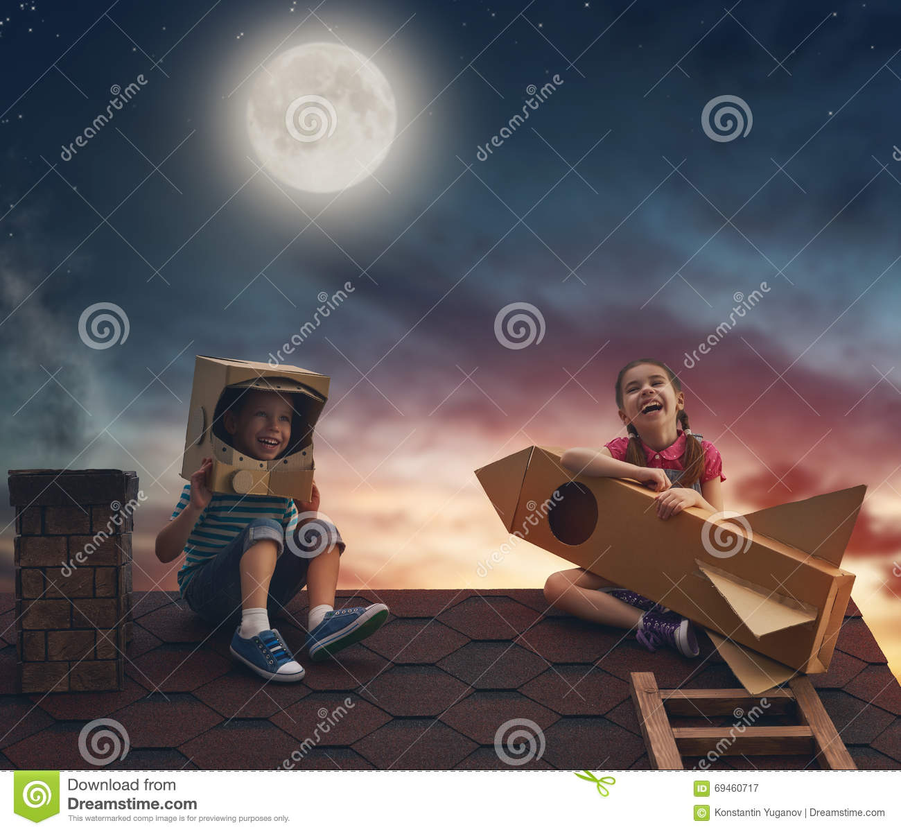 Kids at night with moon royalty free stock photography image - Royalty Free Stock Photo Children Playing On The Roof Stock Photo