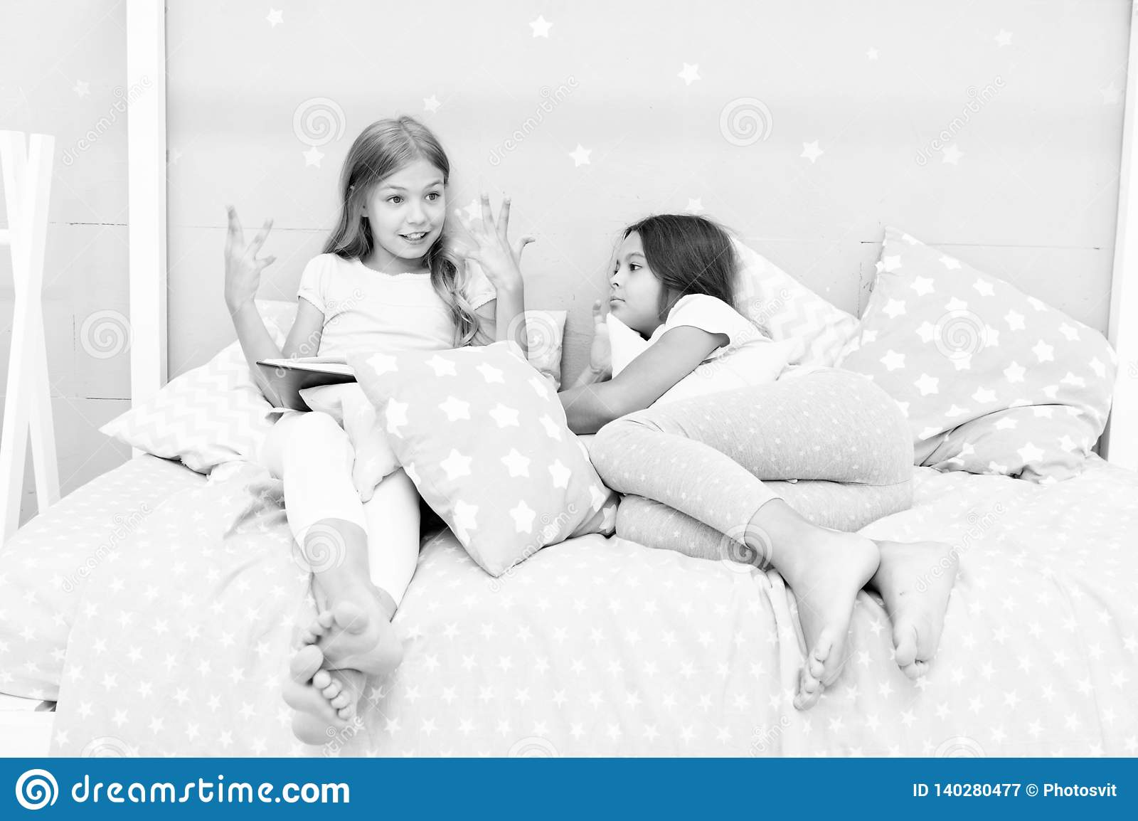Better Nights Sleep May Help Kids With >> Children Read Book In Bed Reading Before Bed Can Help Sleep Better
