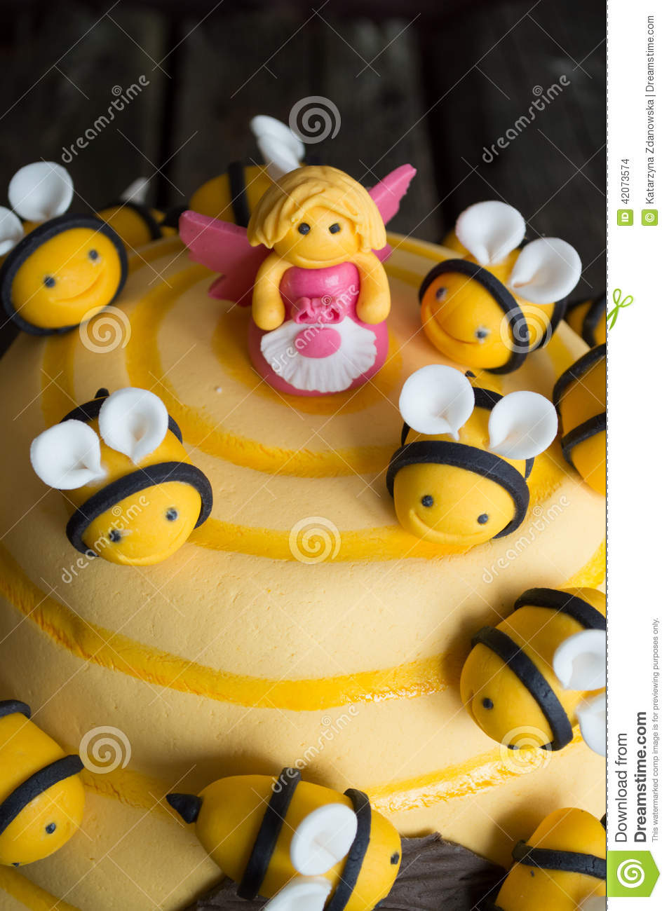 Birthday Cake For Kids With Bees