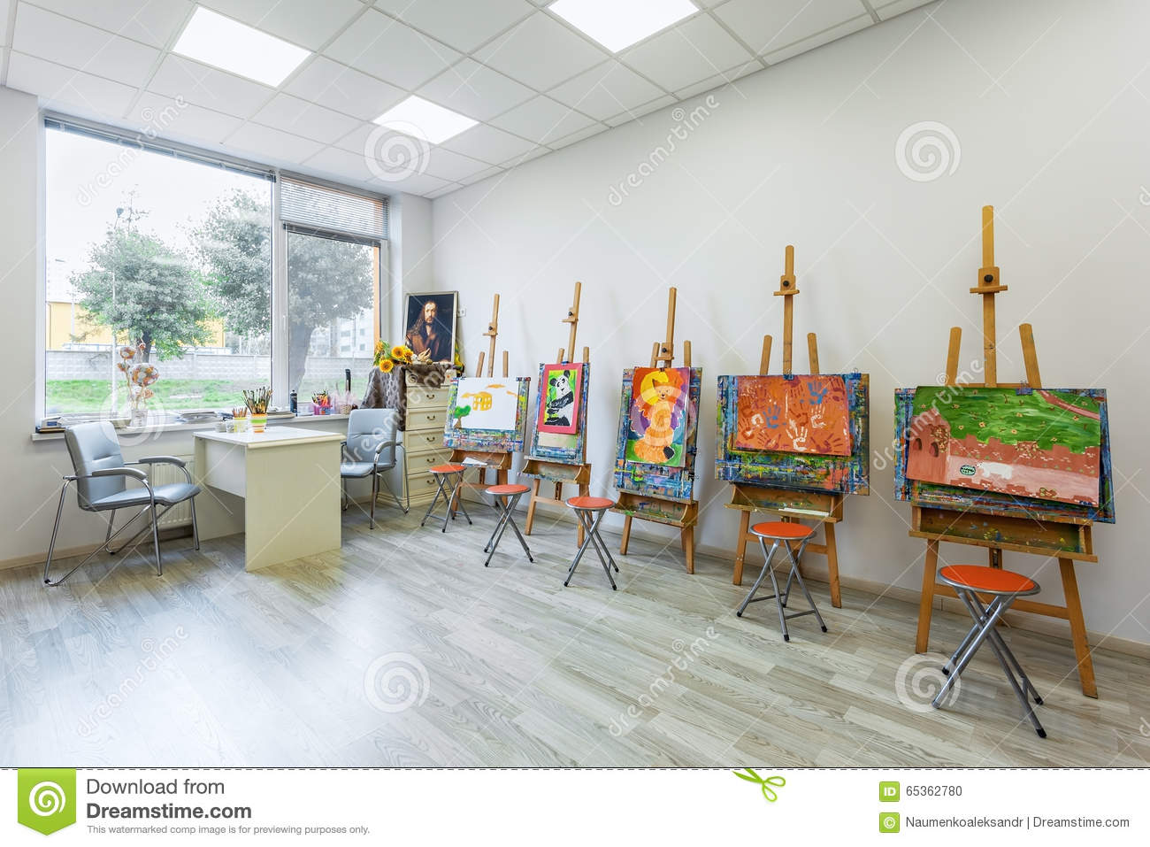 Children 39 s drawing class of the academy of modern - Classes to take for interior design ...