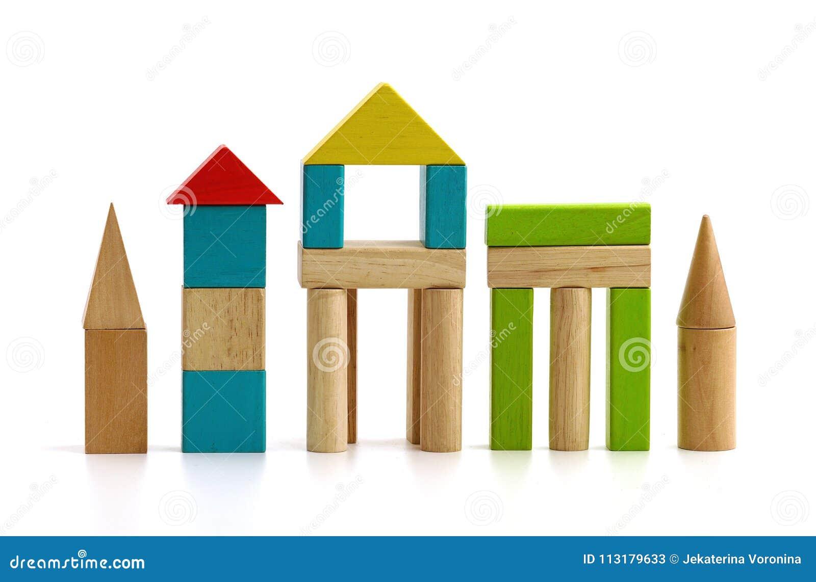Children& x27; s-träkvarter på vit bakgrund