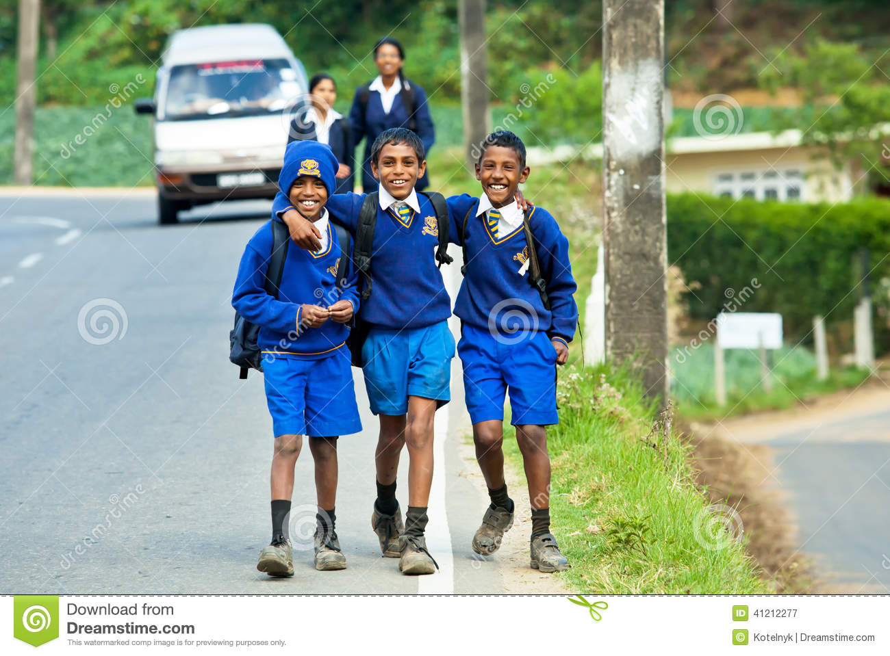 advantages of using uniforms in schools in united states What are the advantages and disadvantages of the us political system (constitution, municipal, state,  staffing schools,  of the united states.