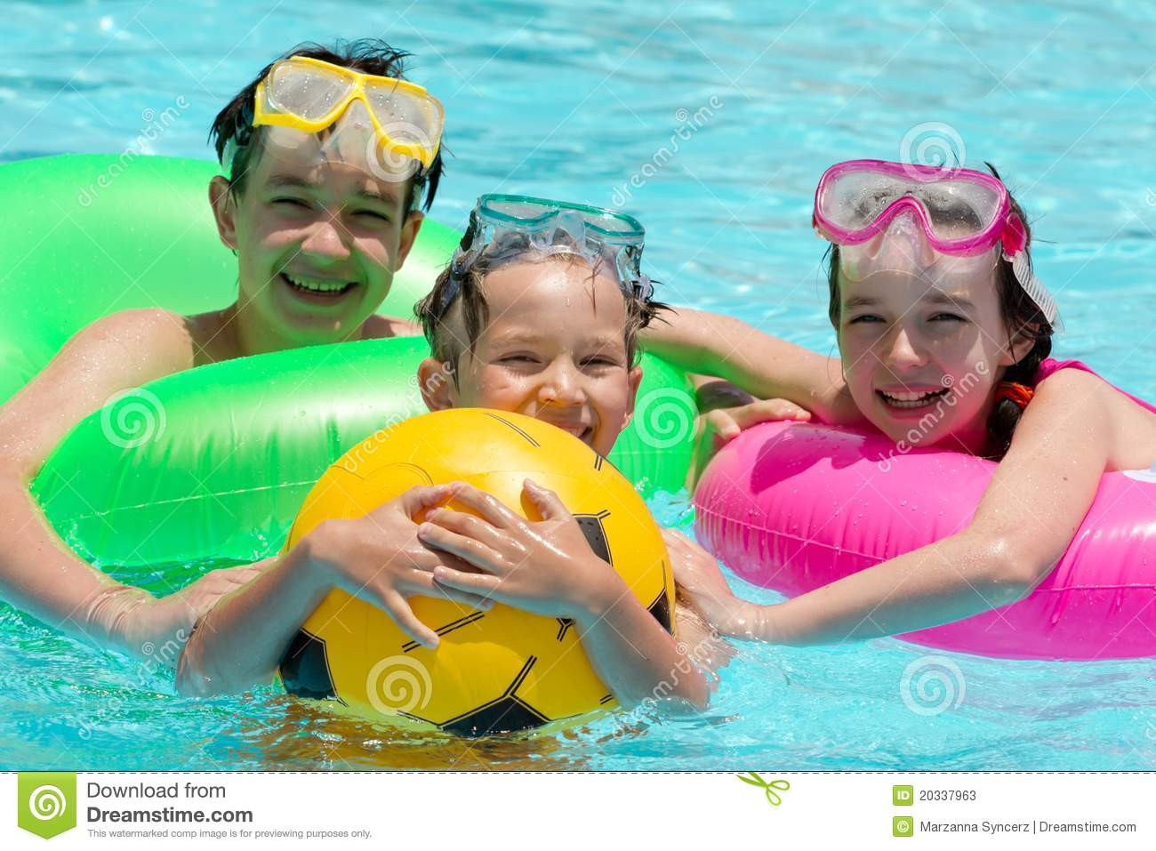 Children In Swimming Pool Stock Image Image Of Scuba 20337963