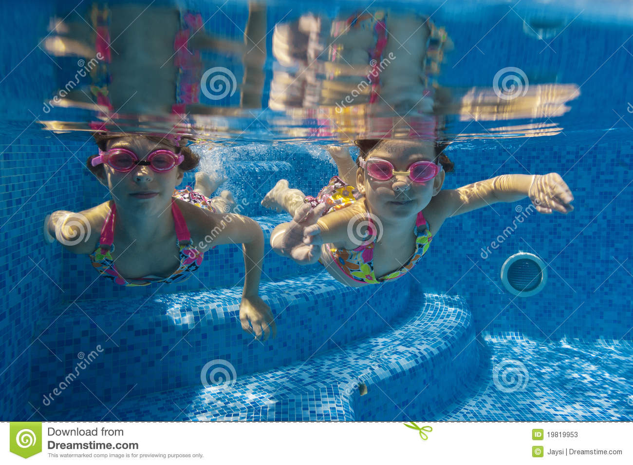 Children swimming underwater in pool stock image image 19819953 for Mangalore swimming pool timings
