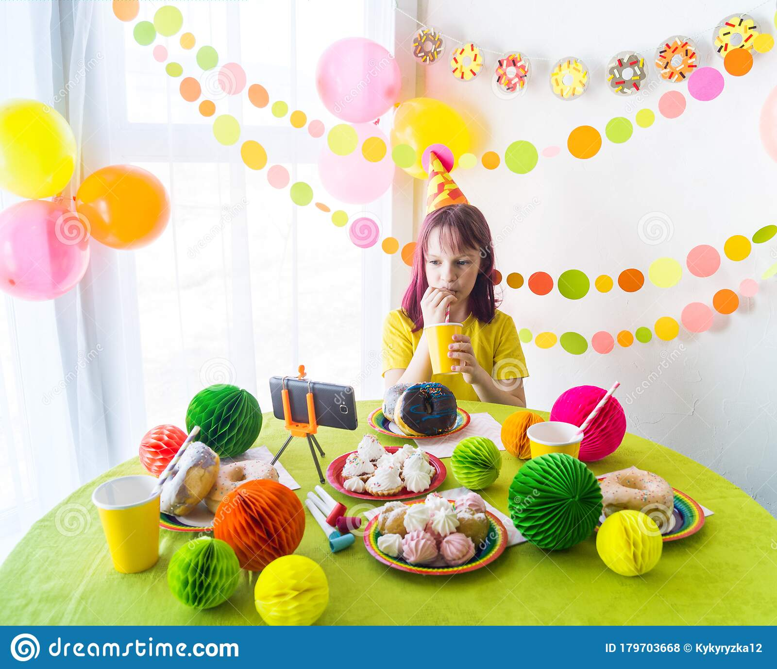 Peachy Children Virtual Birthday Party With Cake Online Together With Her Personalised Birthday Cards Veneteletsinfo