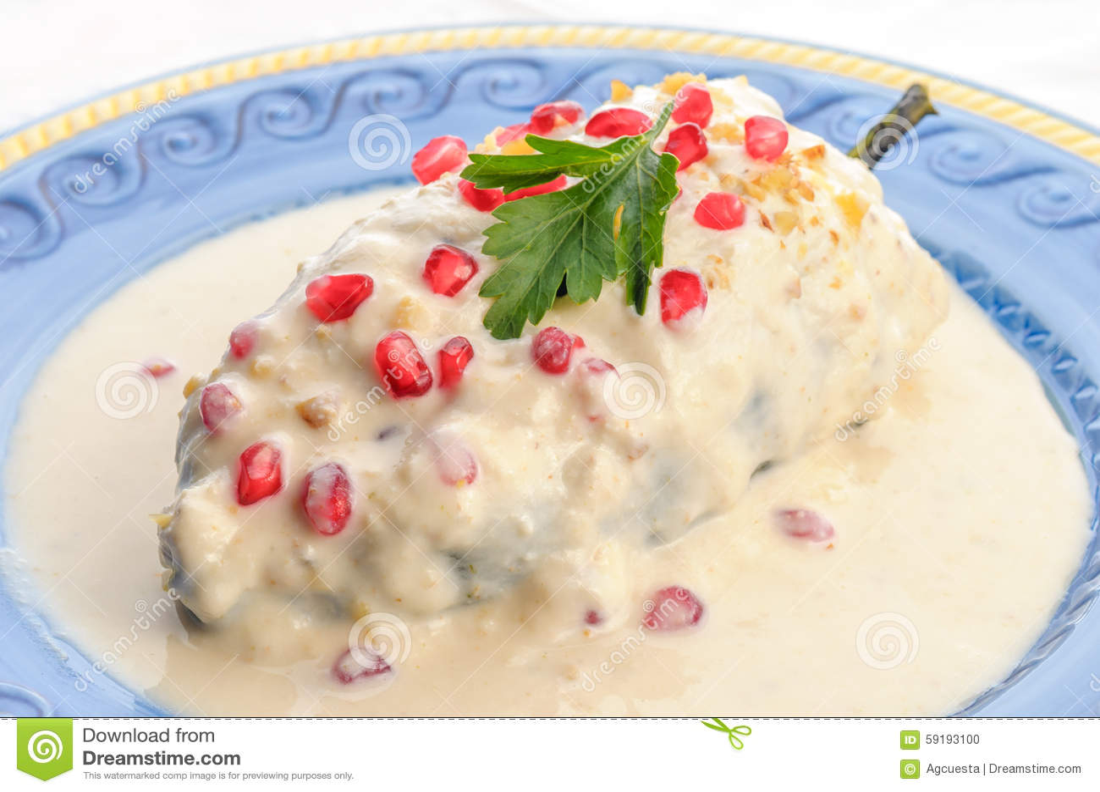 Chiles en nogada mexican food stock photo image 59193100 for Cuisine en image