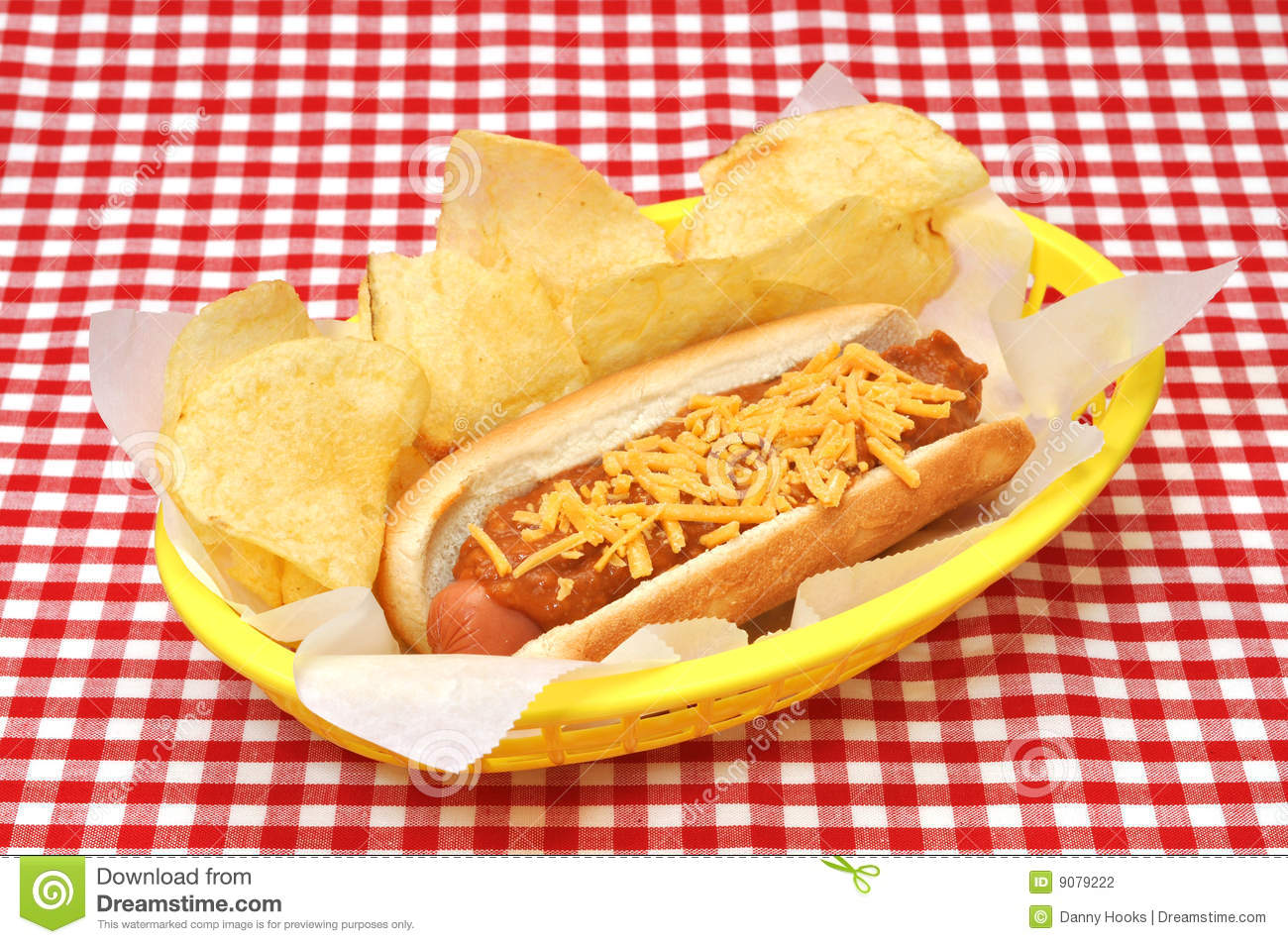maple leaf consumer foods fixing hotdogs More than 26,000 packages of wieners have been ordered pulled from store shelves in eastern canada after they were mistakenly shipped despite some of the hot dogs testing positive for listeria, maple leaf said tuesday.